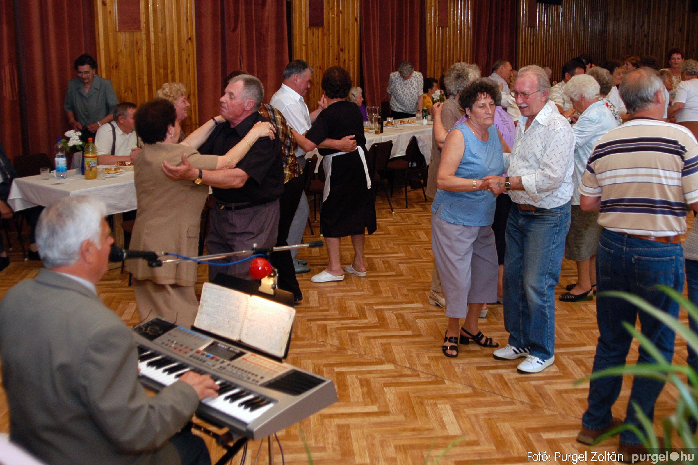 2004.05.04. 071 Szép Öregkor Nyugdíjas Klub találkozó - Fotó:PURGEL ZOLTÁN© DSC_0093q.jpg