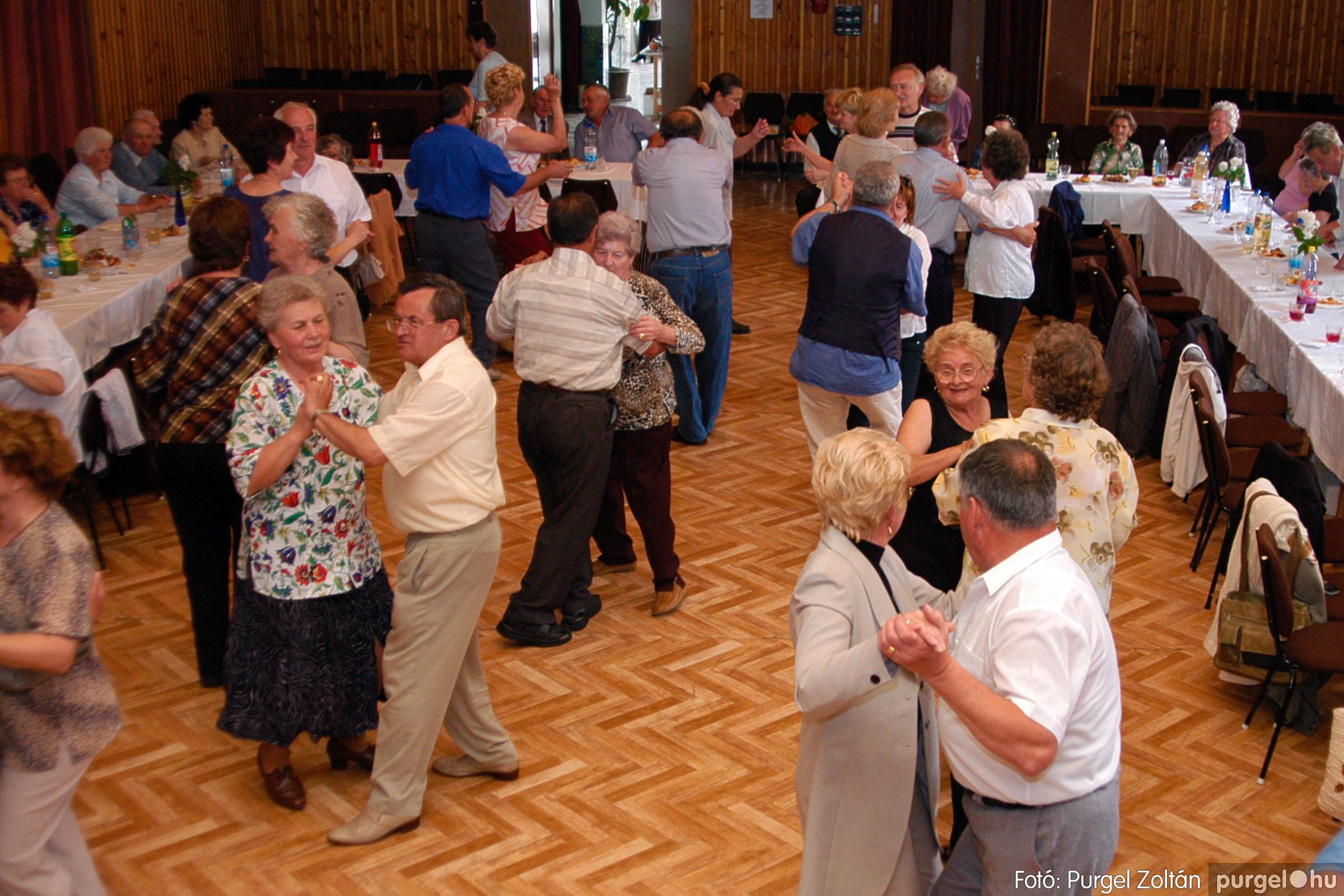 2004.05.04. 044 Szép Öregkor Nyugdíjas Klub találkozó - Fotó:PURGEL ZOLTÁN© DSC_0057q.jpg