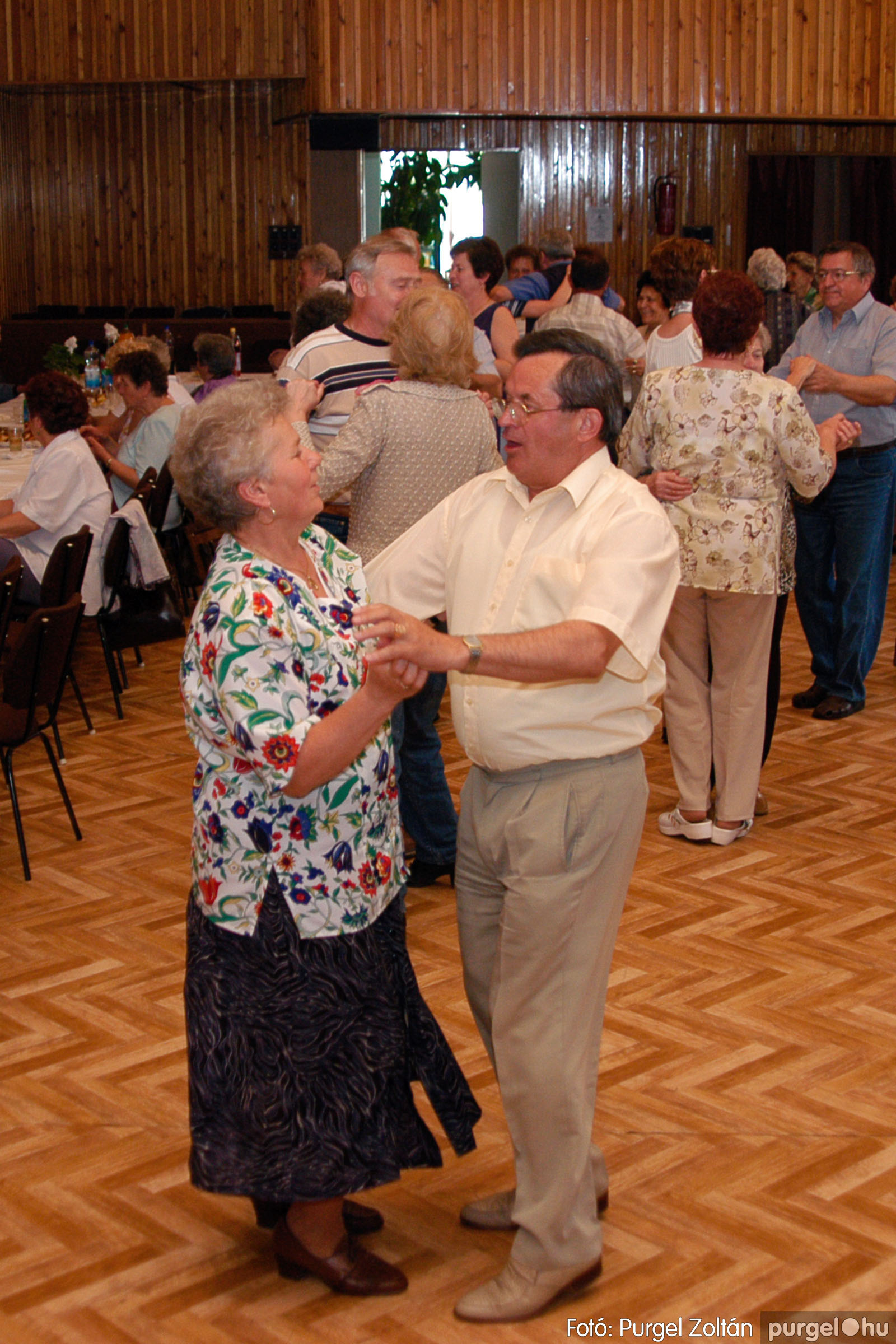 2004.05.04. 040 Szép Öregkor Nyugdíjas Klub találkozó - Fotó:PURGEL ZOLTÁN© DSC_0053q.jpg