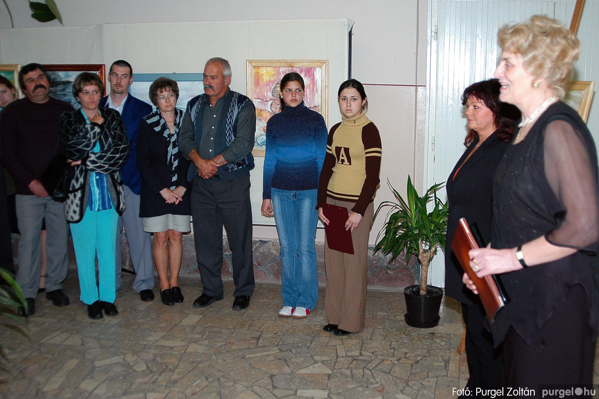 2004.05.08. 004 Gasztány Ludmilla Álmokkal átszőtt valóság című kiállítás - Fotó:PURGEL ZOLTÁN© DSC_0004q.jpg