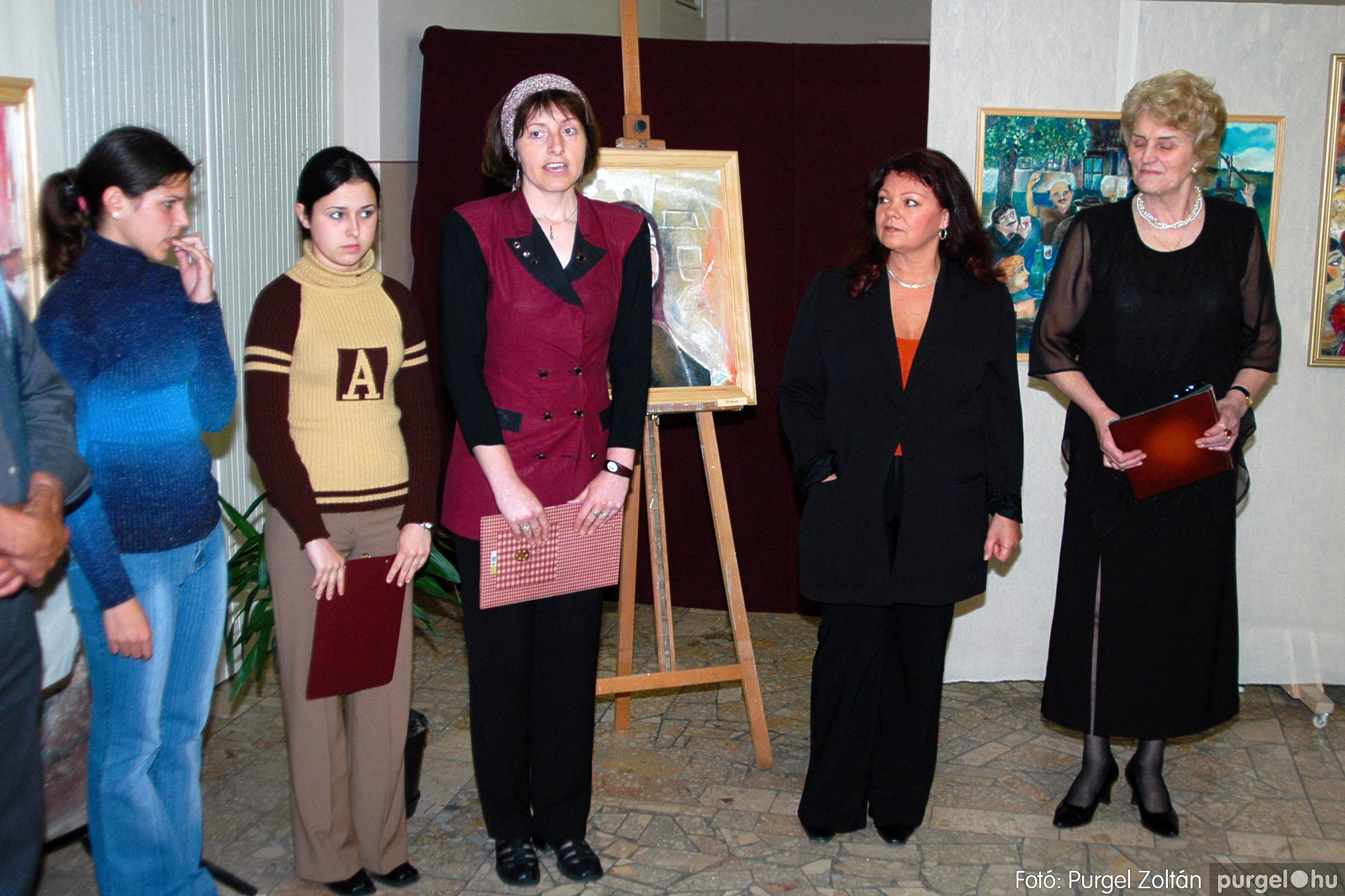 2004.05.08. 001 Gasztány Ludmilla Álmokkal átszőtt valóság című kiállítás - Fotó:PURGEL ZOLTÁN© DSC_0001q.jpg
