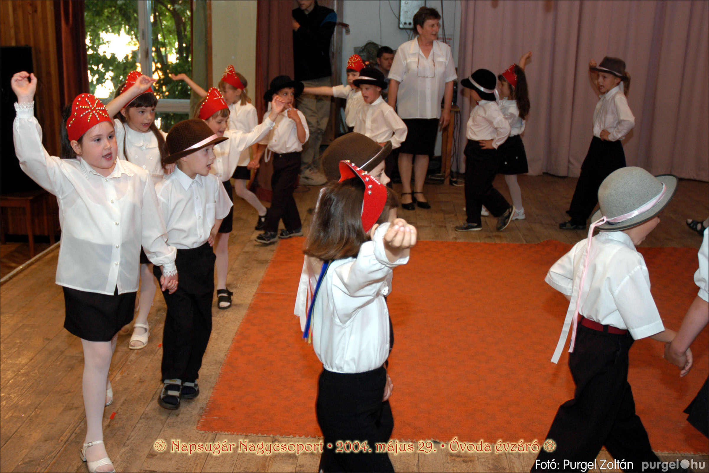 2004.05.13-29. 122 Kurca-parti Óvoda évzáró 2004. - Fotó:PURGEL ZOLTÁN© ovi172.jpg