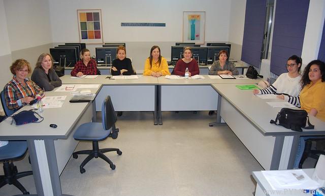 Fotografía de un taller grupal enmarcado dentro del programa PROAPLD desarrollado por CONFAES.
