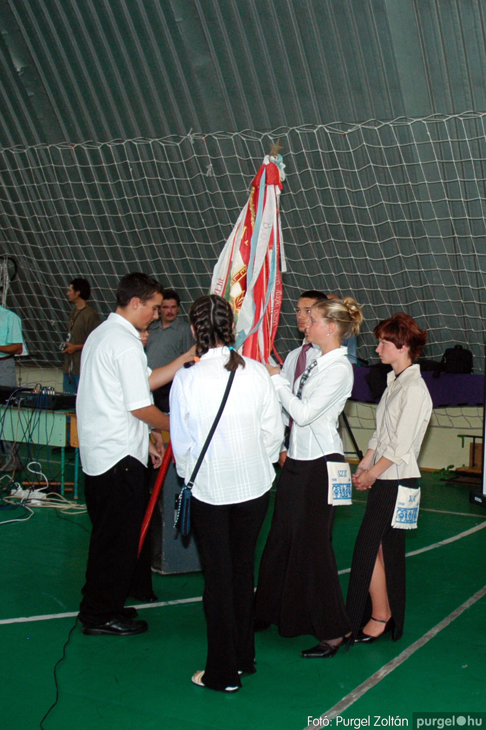 2004.06.12. 061 Forray Máté Általános Iskola ballagás 2004. - Fotó:PURGEL ZOLTÁN© DSC_0127q.jpg
