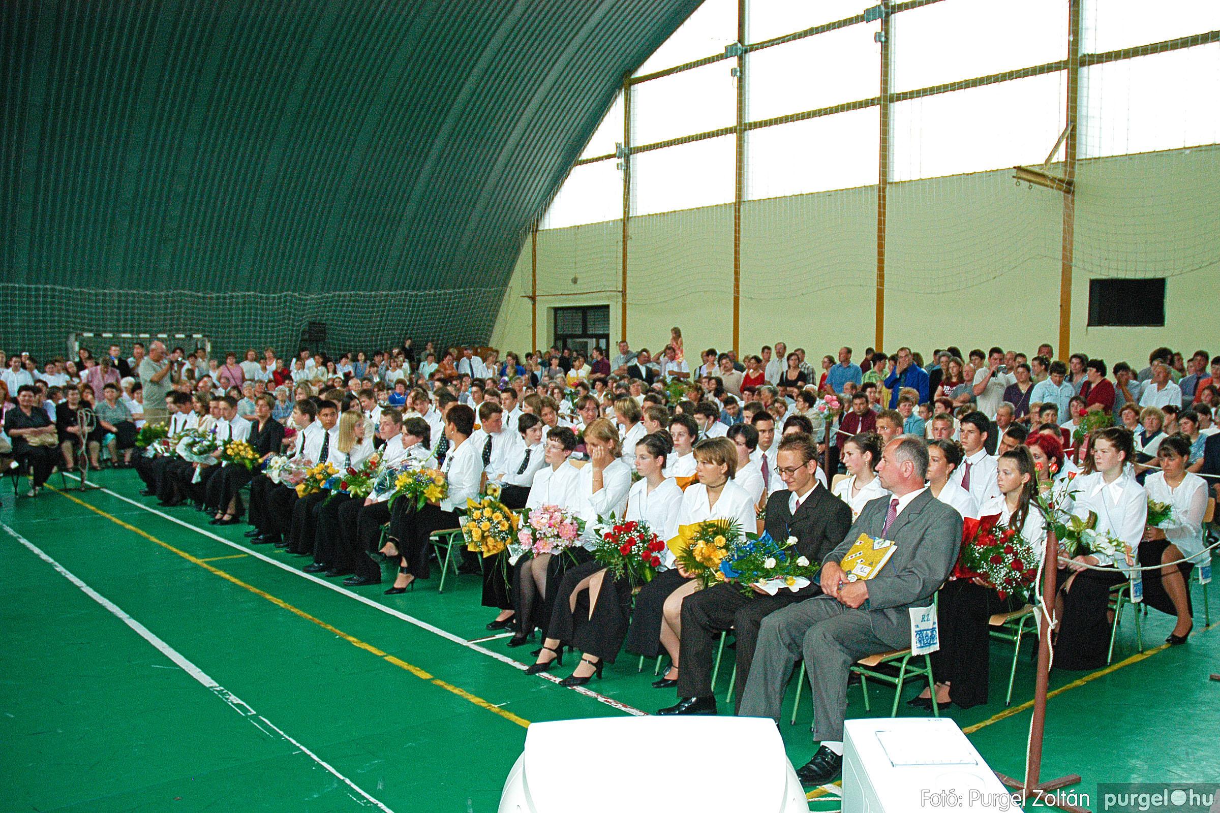 2004.06.12. 057 Forray Máté Általános Iskola ballagás 2004. - Fotó:PURGEL ZOLTÁN© DSC_0123q.jpg