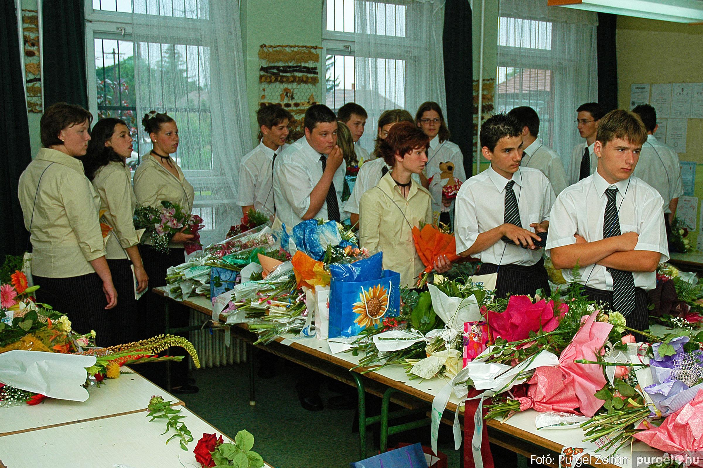 2004.06.12. 021 Forray Máté Általános Iskola ballagás 2004. - Fotó:PURGEL ZOLTÁN© DSC_0064q.jpg