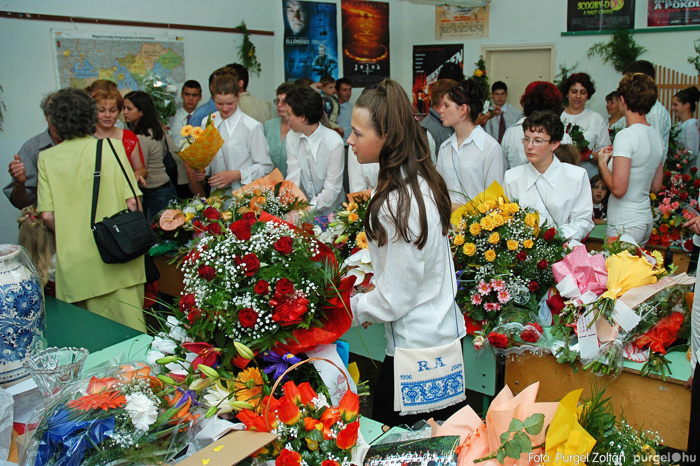 2004.06.12. 018 Forray Máté Általános Iskola ballagás 2004. - Fotó:PURGEL ZOLTÁN© DSC_0060q.jpg