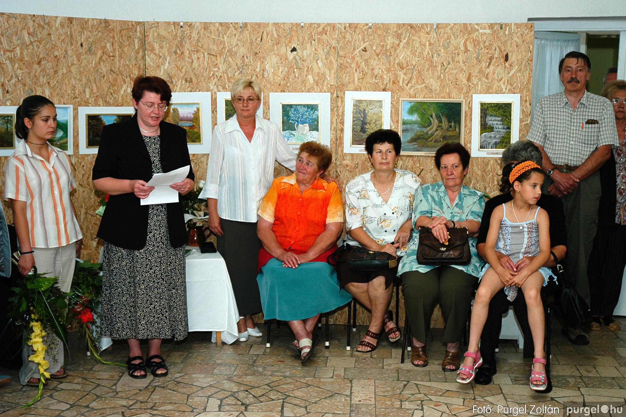 2004.06.21. 003 Dr. Apró Ferencné festő kiállítása - Fotó:PURGEL ZOLTÁN© DSC_0003q.jpg