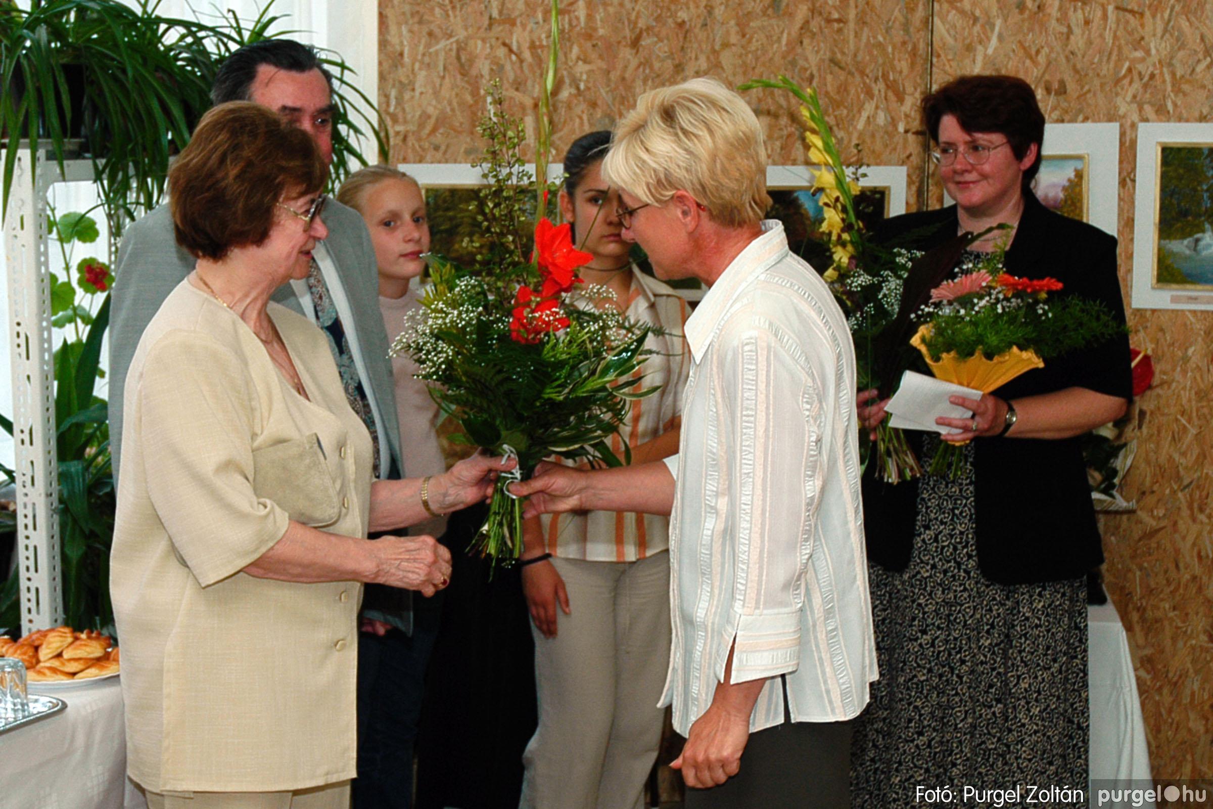 2004.06.21. 009 Dr. Apró Ferencné festő kiállítása - Fotó:PURGEL ZOLTÁN© DSC_0009q.jpg