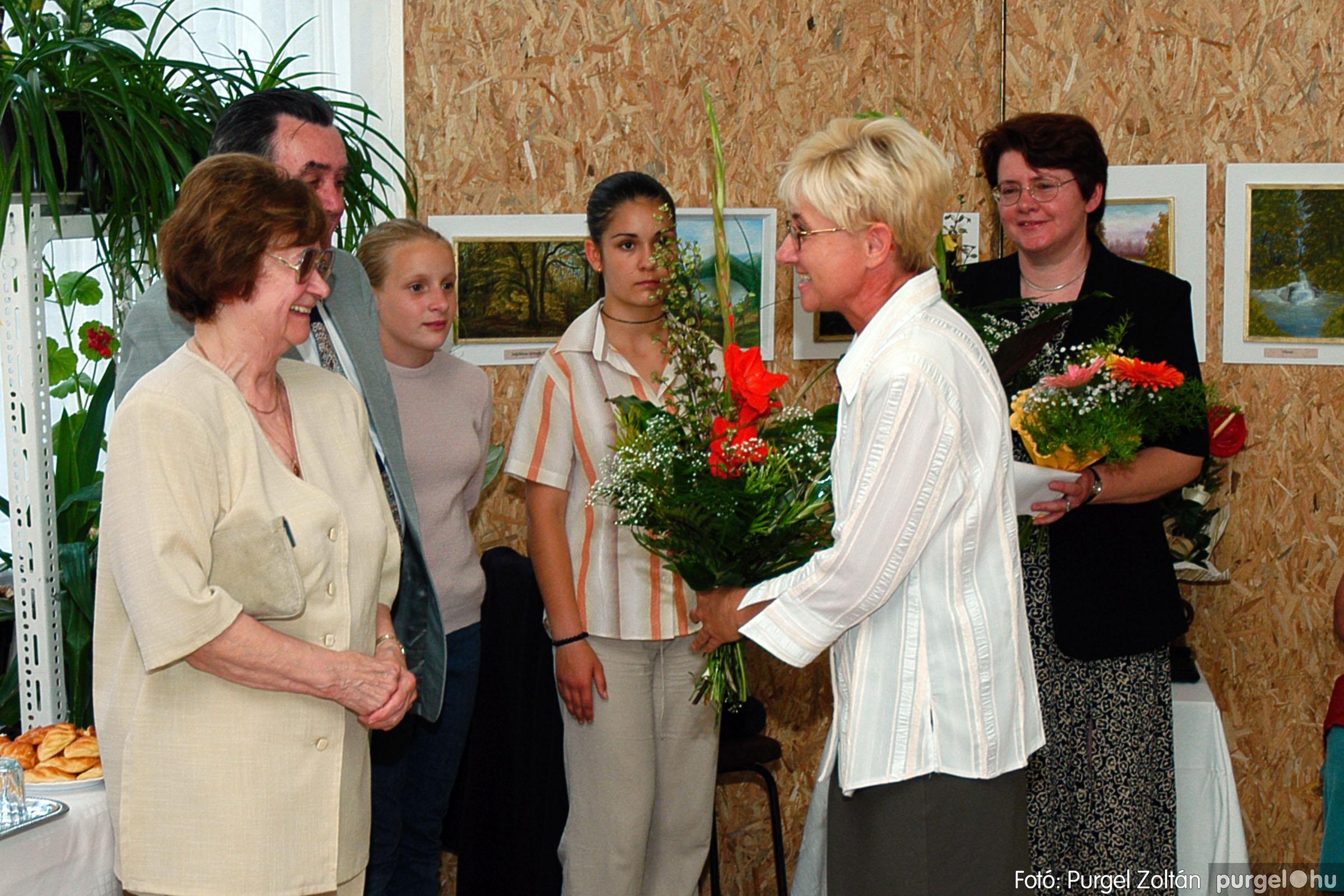 2004.06.21. 008 Dr. Apró Ferencné festő kiállítása - Fotó:PURGEL ZOLTÁN© DSC_0008q.jpg