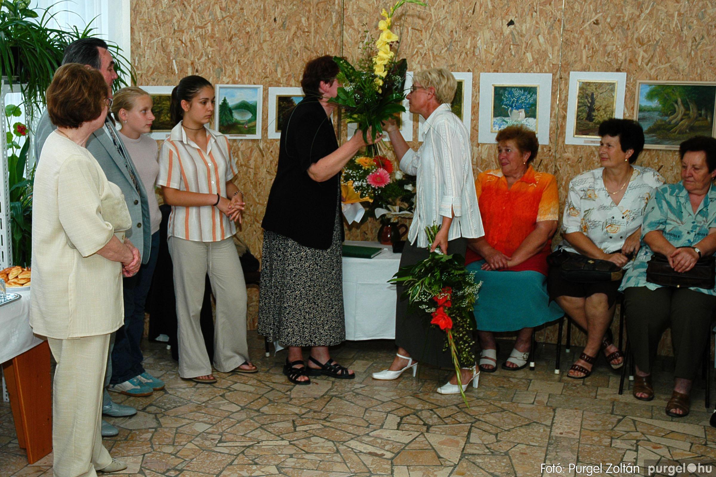 2004.06.21. 007 Dr. Apró Ferencné festő kiállítása - Fotó:PURGEL ZOLTÁN© DSC_0007q.jpg