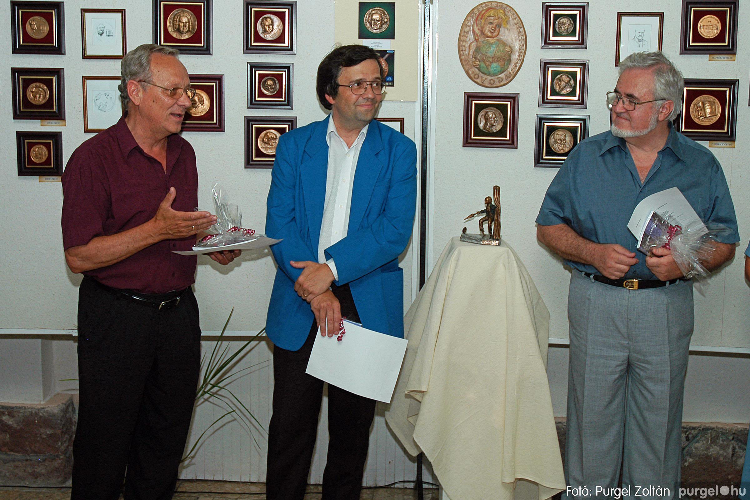 2004.07.11. 023 Krasznai János és Juhász Miklós kiállítása - Fotó:PURGEL ZOLTÁN© DSC_0034q.jpg