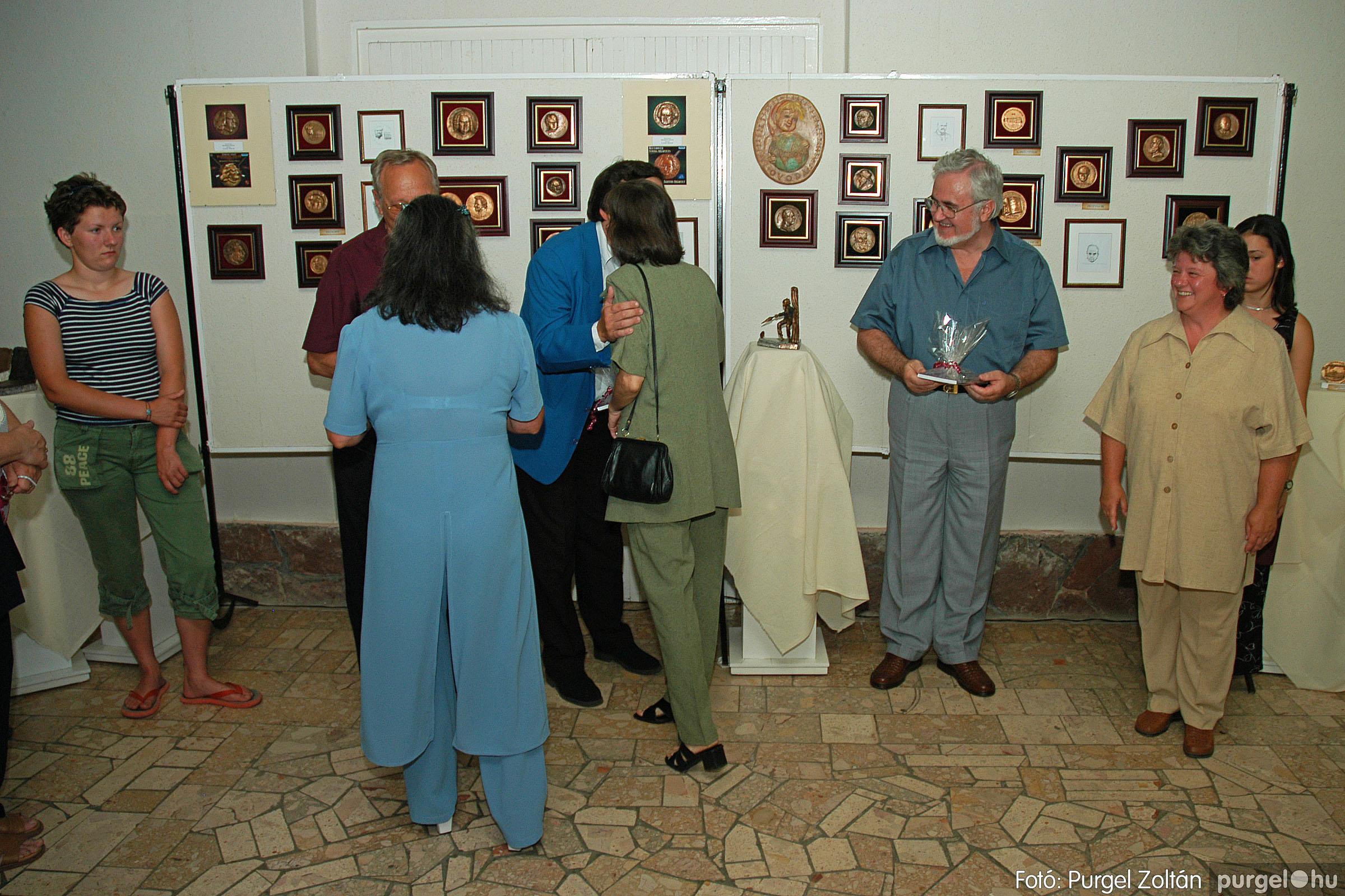 2004.07.11. 014 Krasznai János és Juhász Miklós kiállítása - Fotó:PURGEL ZOLTÁN© DSC_0023q.jpg