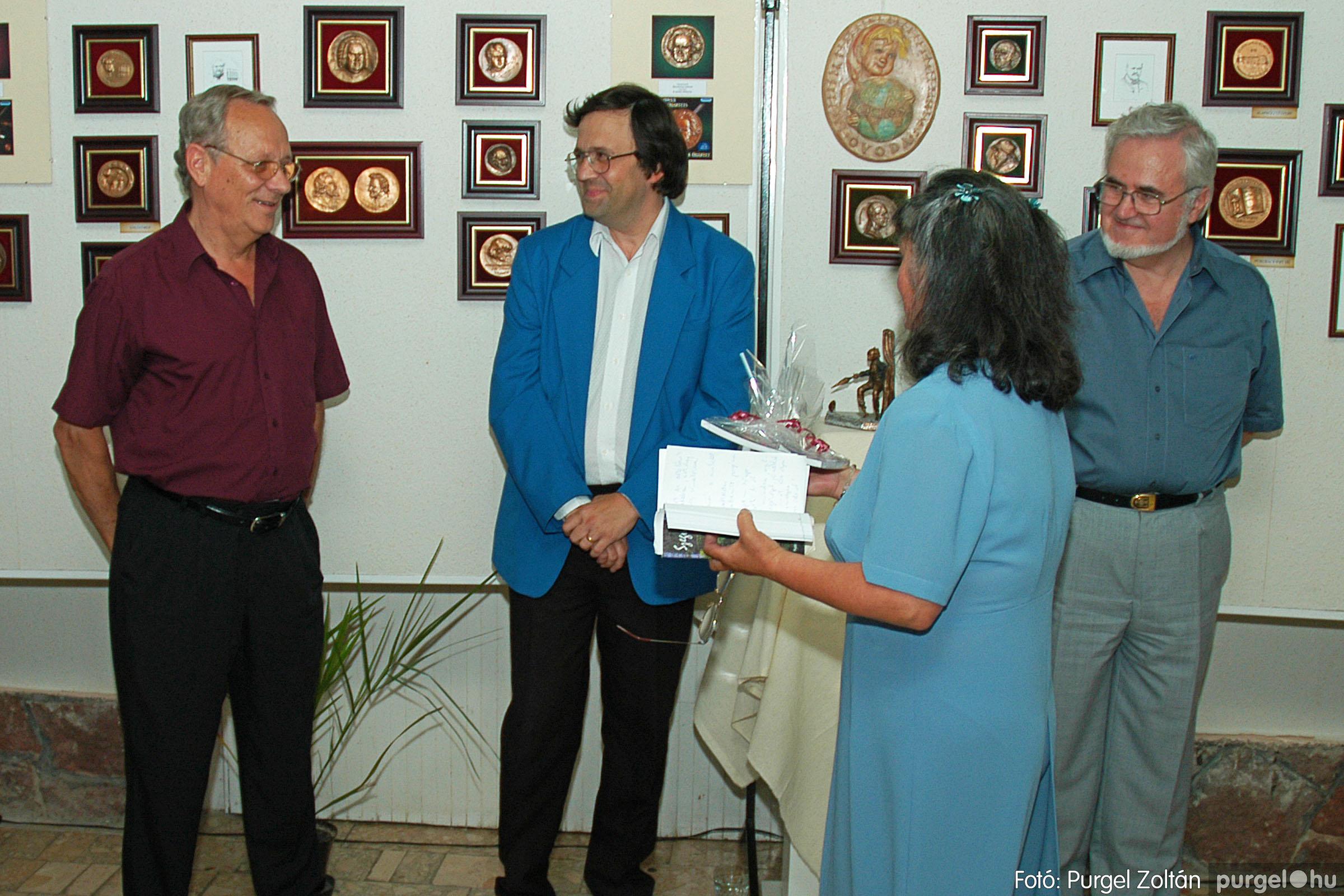 2004.07.11. 012 Krasznai János és Juhász Miklós kiállítása - Fotó:PURGEL ZOLTÁN© DSC_0018q.jpg