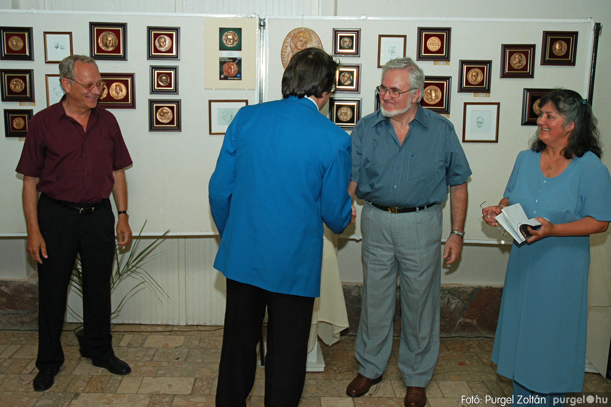 2004.07.11. 011 Krasznai János és Juhász Miklós kiállítása - Fotó:PURGEL ZOLTÁN© DSC_0017q.jpg