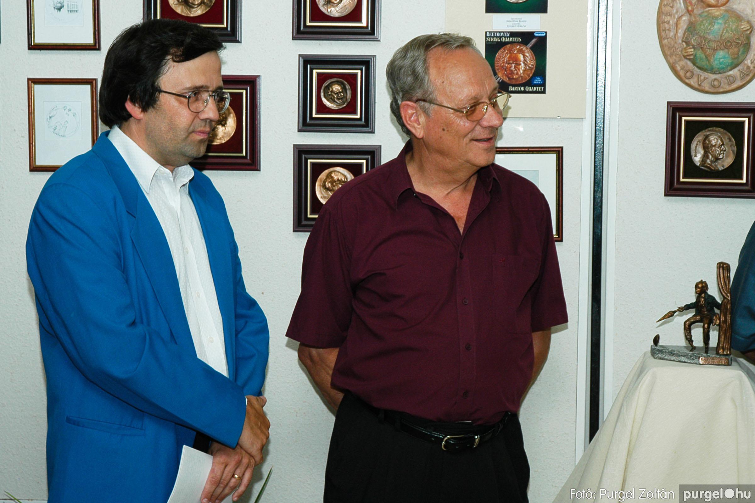 2004.07.11. 006 Krasznai János és Juhász Miklós kiállítása - Fotó:PURGEL ZOLTÁN© DSC_0010q.jpg