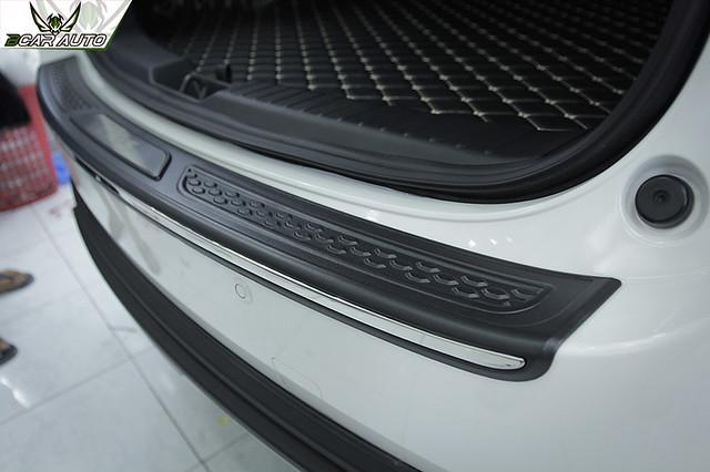 Ốp chống trầy cốp sau xe Mazda CX5 2018
