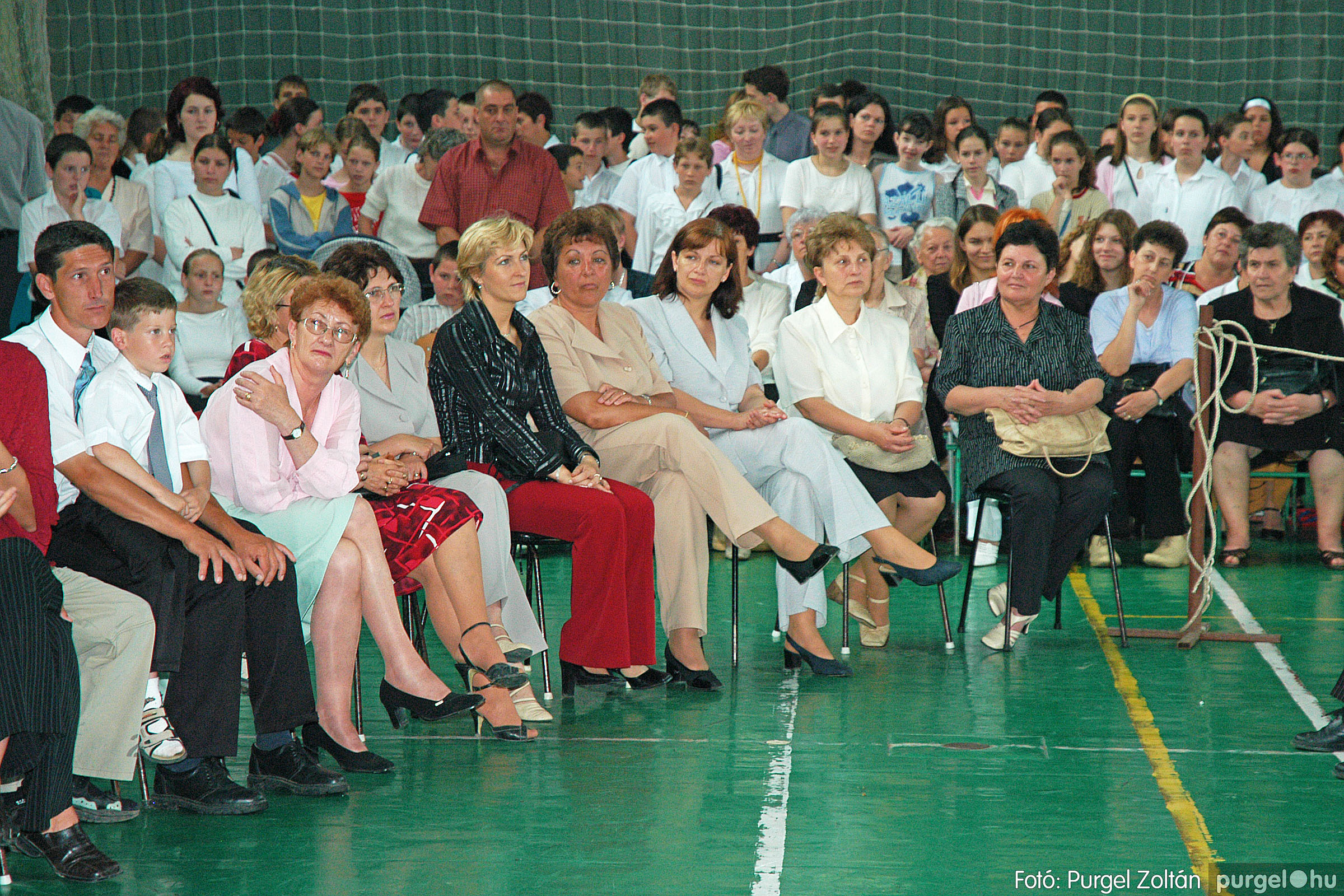 2004.06.12. 056 Forray Máté Általános Iskola ballagás 2004. - Fotó:PURGEL ZOLTÁN© DSC_0122q.jpg