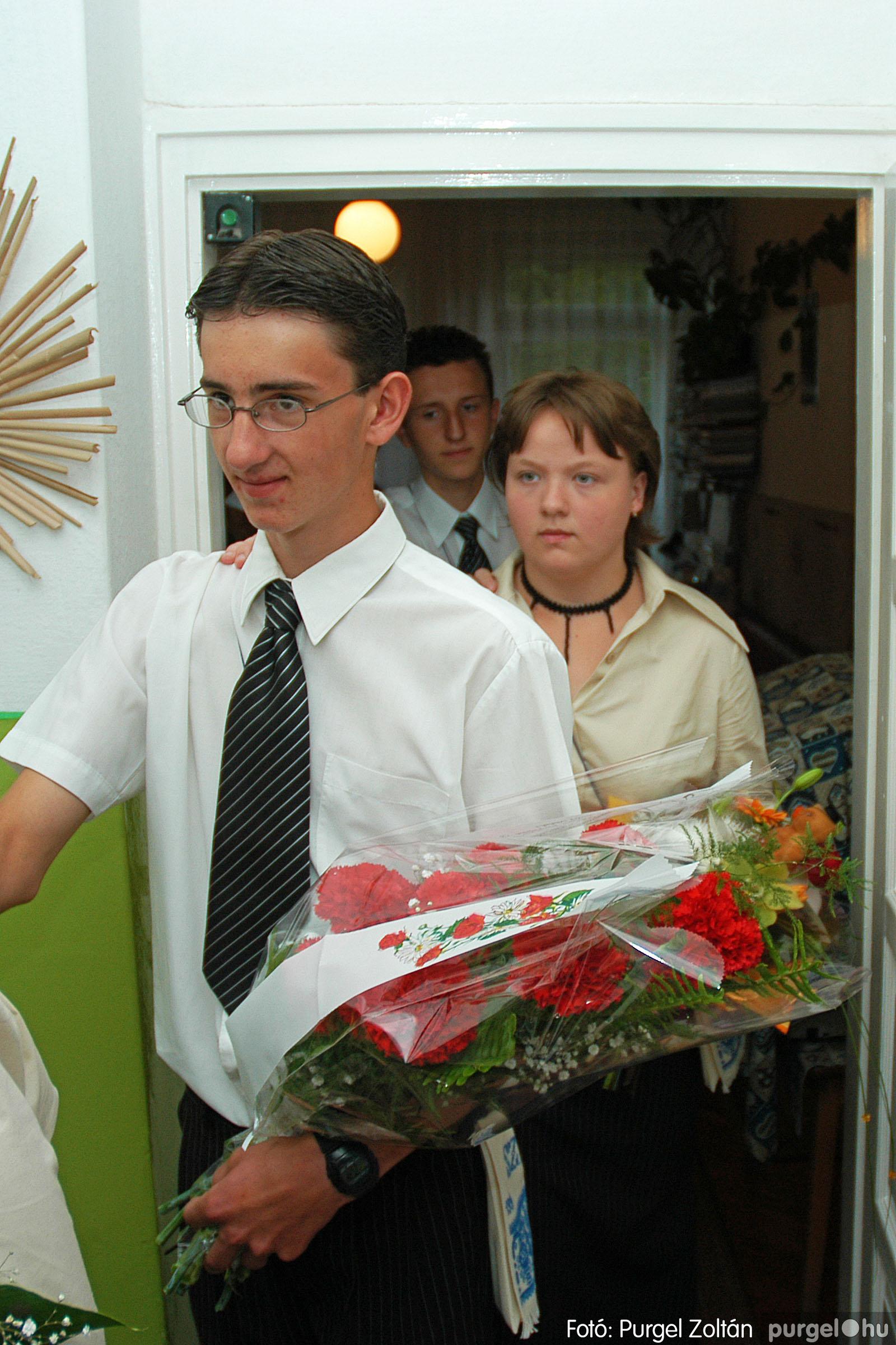 2004.06.12. 027 Forray Máté Általános Iskola ballagás 2004. - Fotó:PURGEL ZOLTÁN© DSC_0072q.jpg