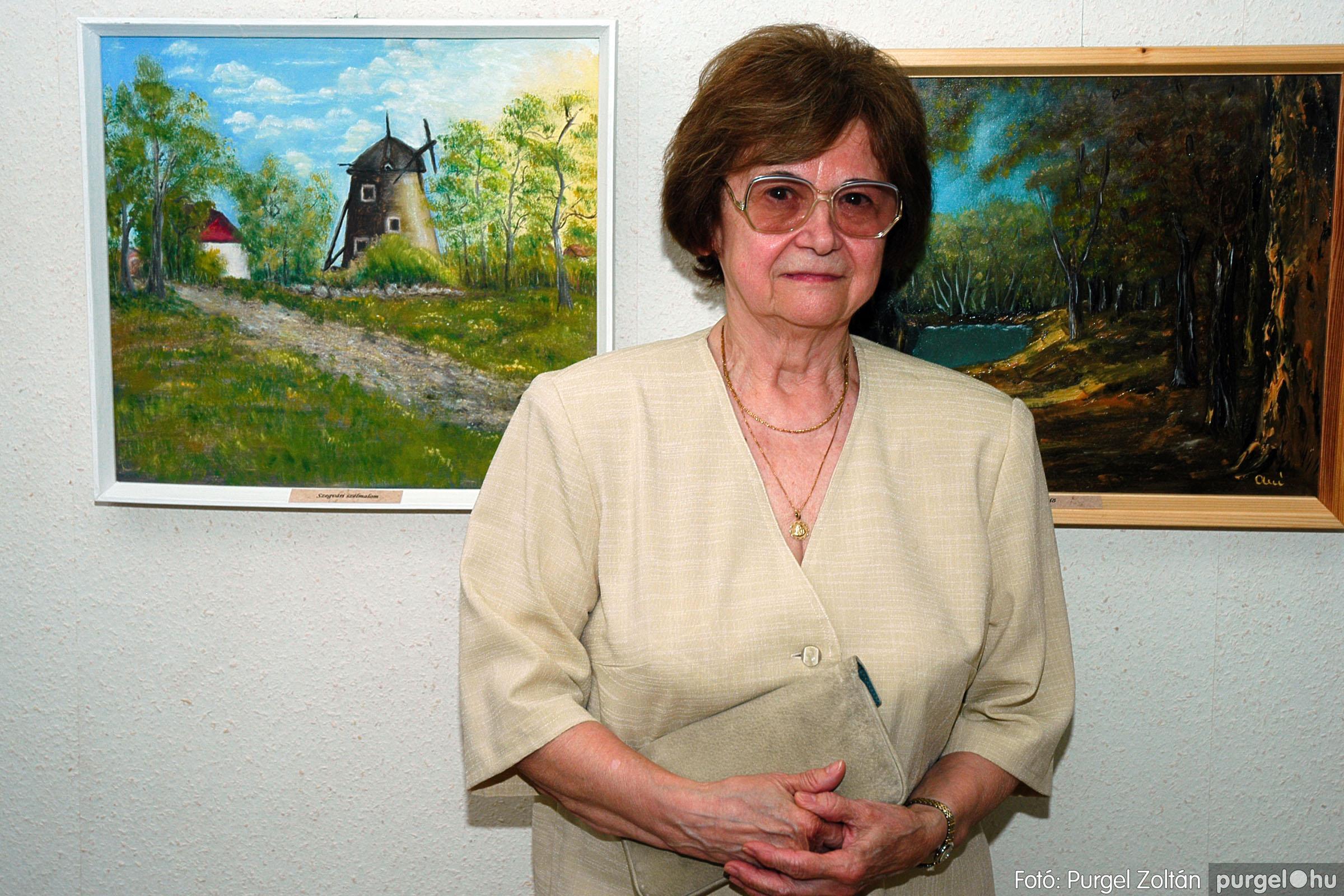 2004.06.21. 011 Dr. Apró Ferencné festő kiállítása - Fotó:PURGEL ZOLTÁN© DSC_0011q.jpg