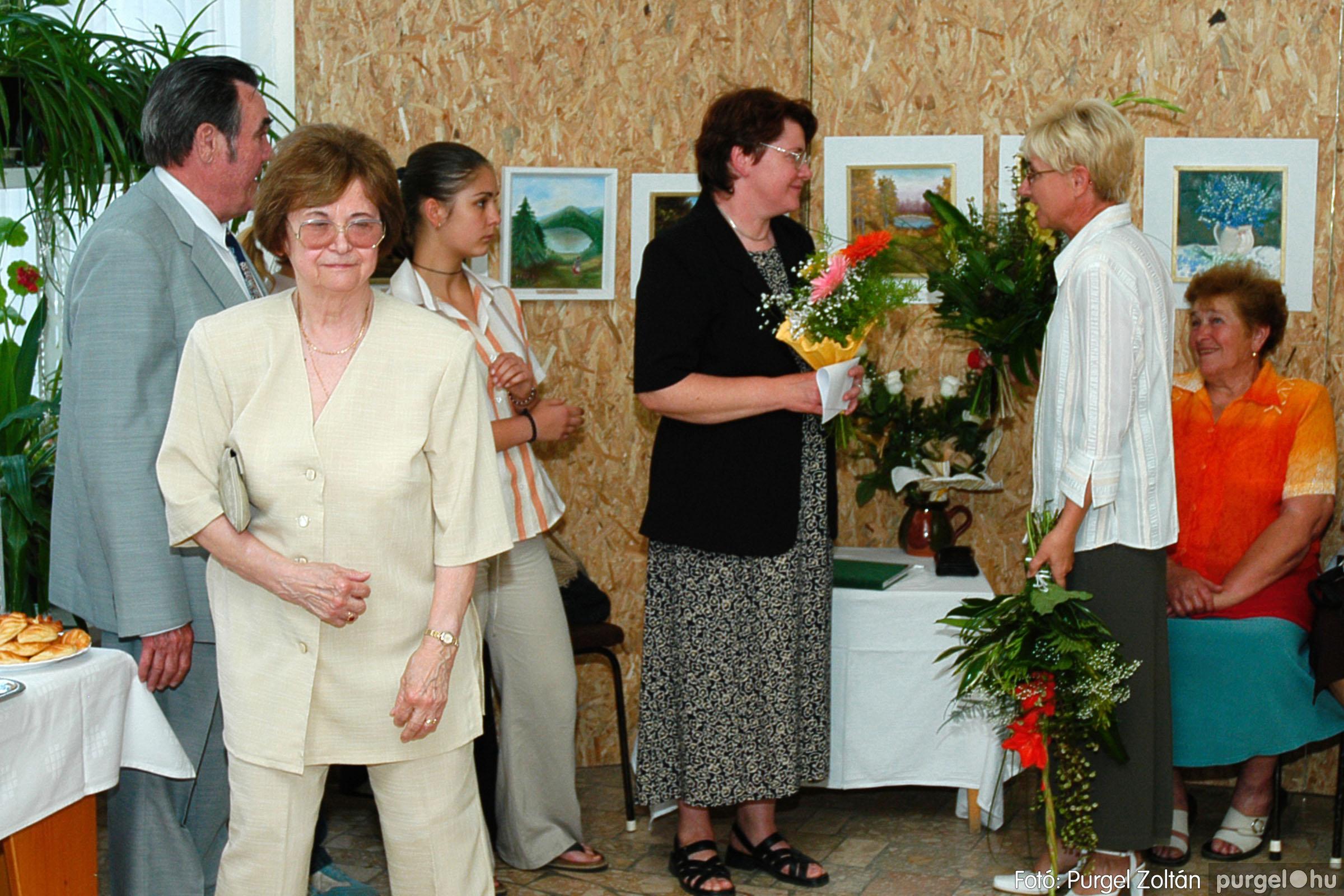 2004.06.21. 006 Dr. Apró Ferencné festő kiállítása - Fotó:PURGEL ZOLTÁN© DSC_0006q.jpg