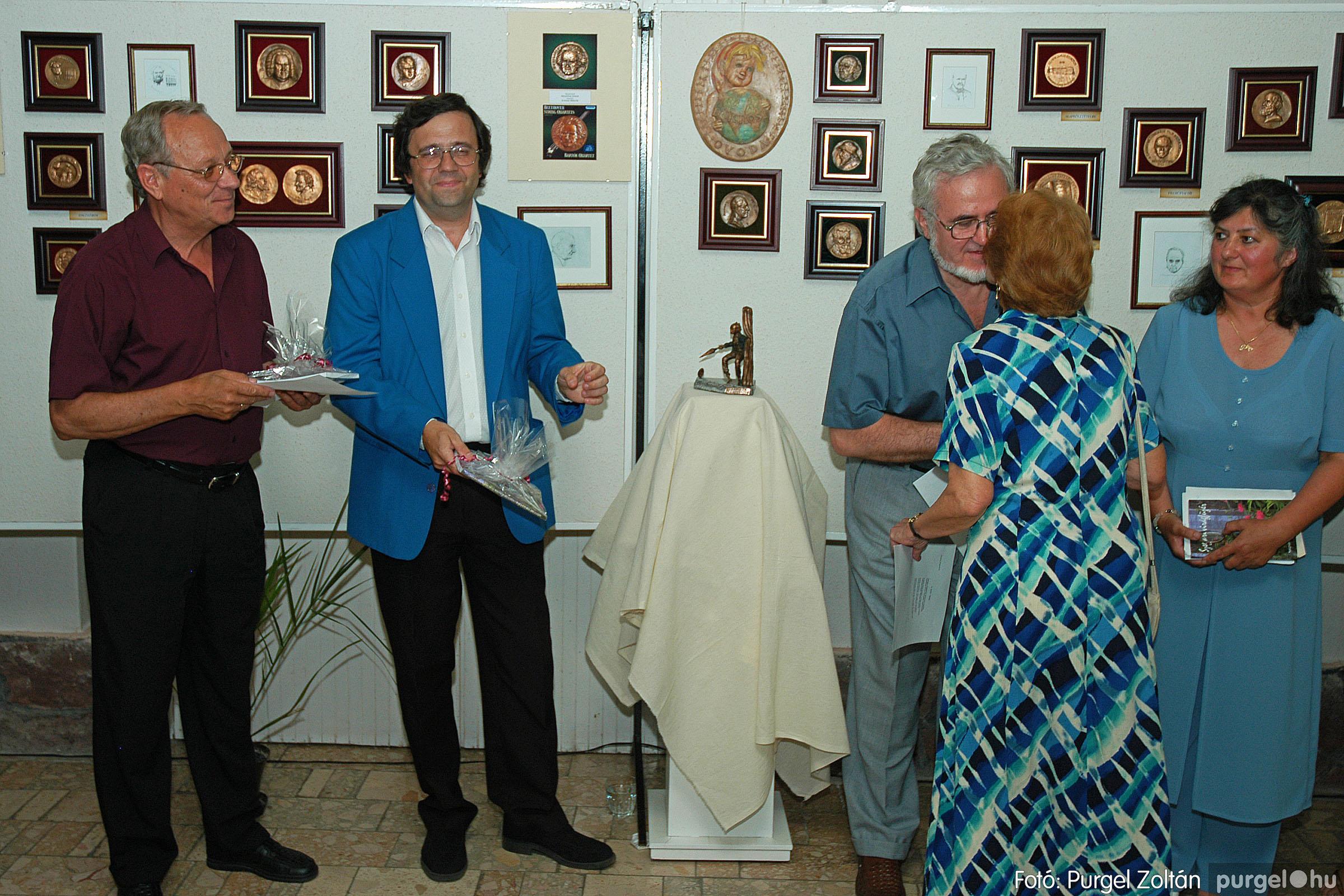 2004.07.11. 021 Krasznai János és Juhász Miklós kiállítása - Fotó:PURGEL ZOLTÁN© DSC_0032q.jpg