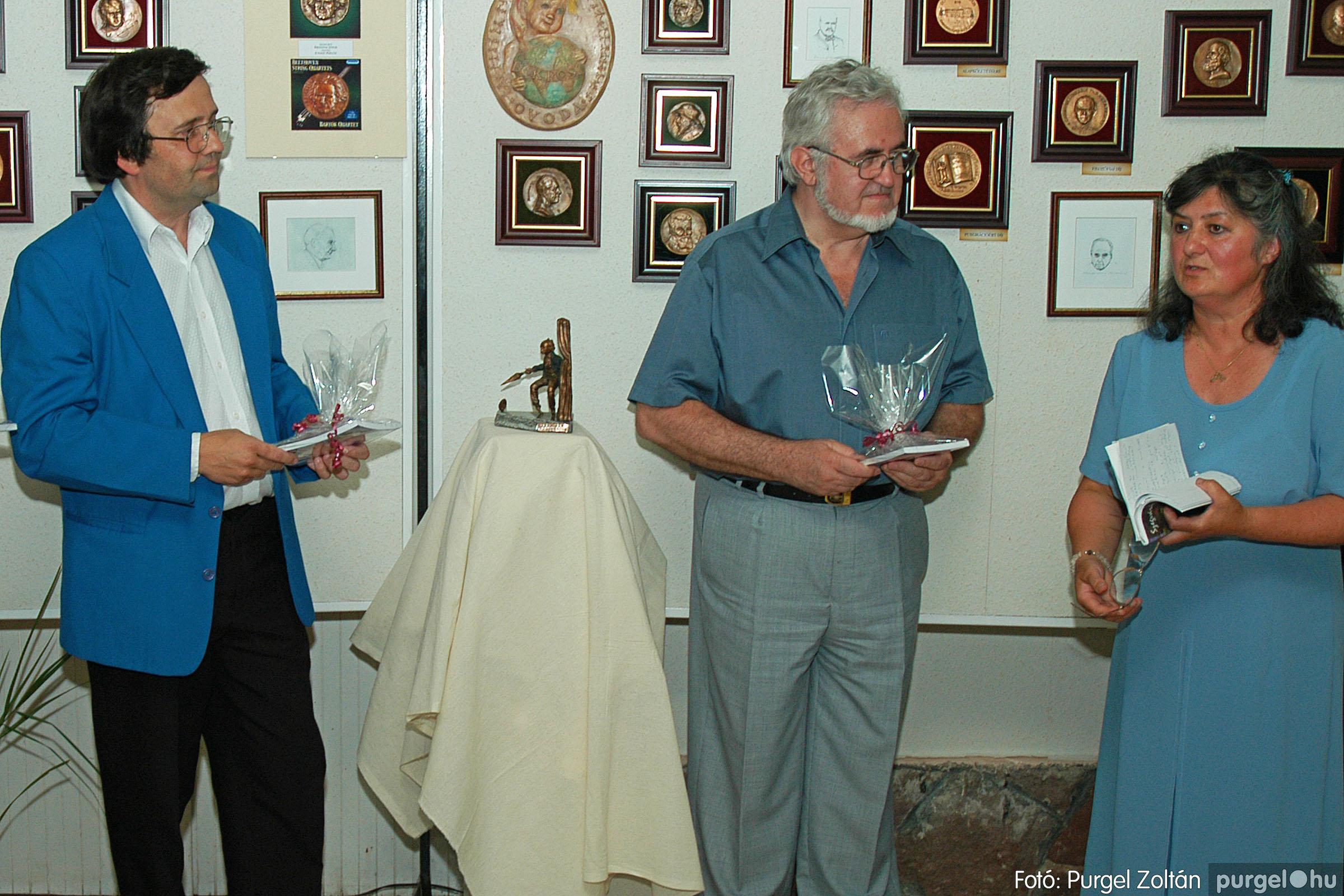 2004.07.11. 015 Krasznai János és Juhász Miklós kiállítása - Fotó:PURGEL ZOLTÁN© DSC_0025q.jpg