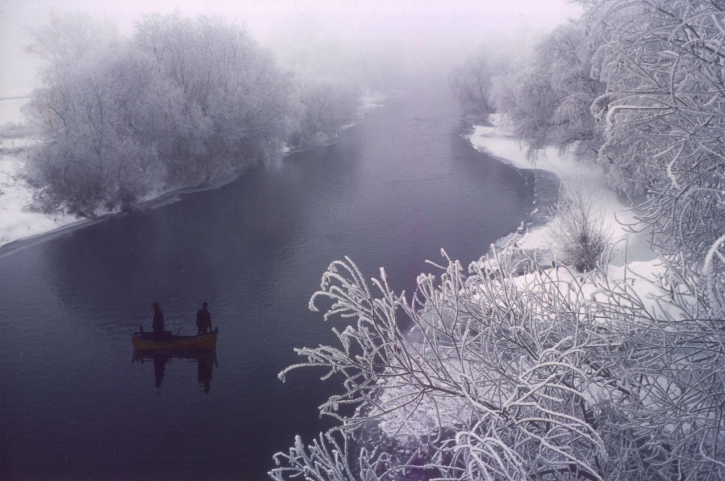 2004.09.18. Hétköznapok fotópályázat - Juhász Miklós - Téli halászat.jpg
