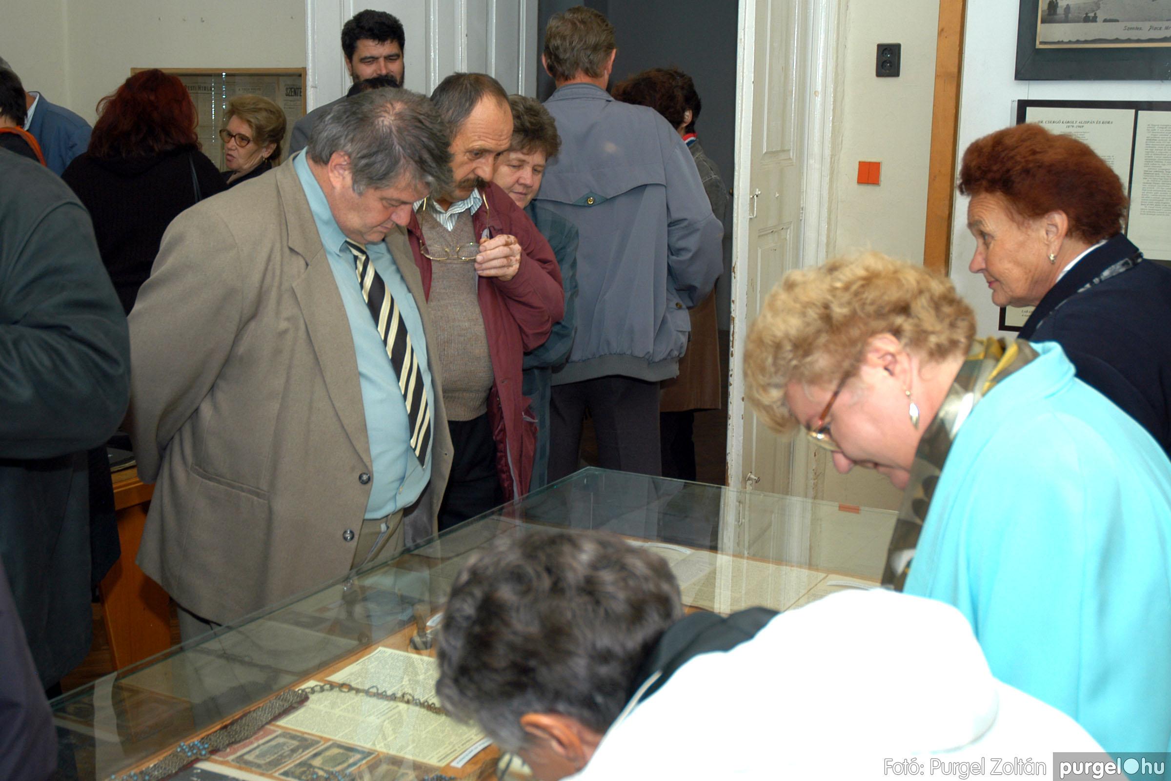 2004.09.25. 017 Dr. Csergő Károly alispán és kora című kiállítás és emléktábla avatás - Fotó:P. Z.©.jpg