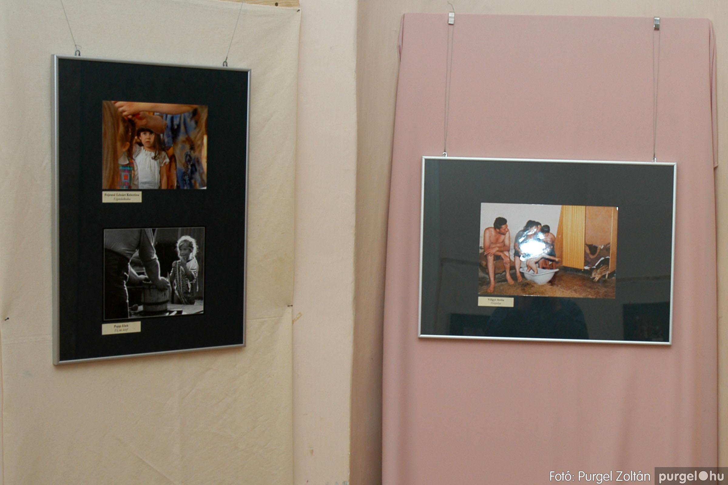 2004.09.25. 016 Hétköznapok fotópályázat kiállítása - Fotó:PURGEL ZOLTÁN© DSC_0016q.jpg