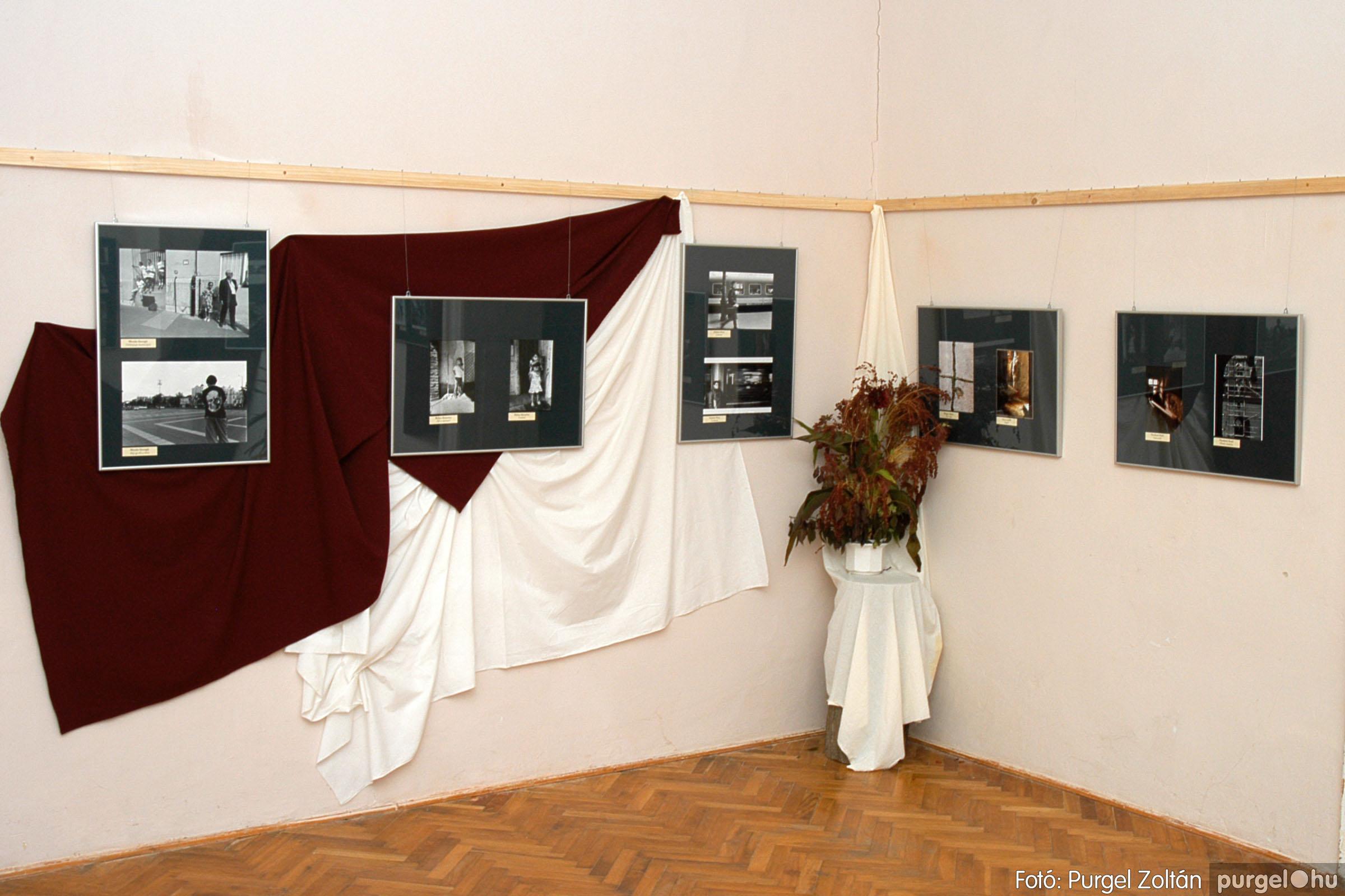 2004.09.25. 006 Hétköznapok fotópályázat kiállítása - Fotó:PURGEL ZOLTÁN© DSC_0006q.jpg