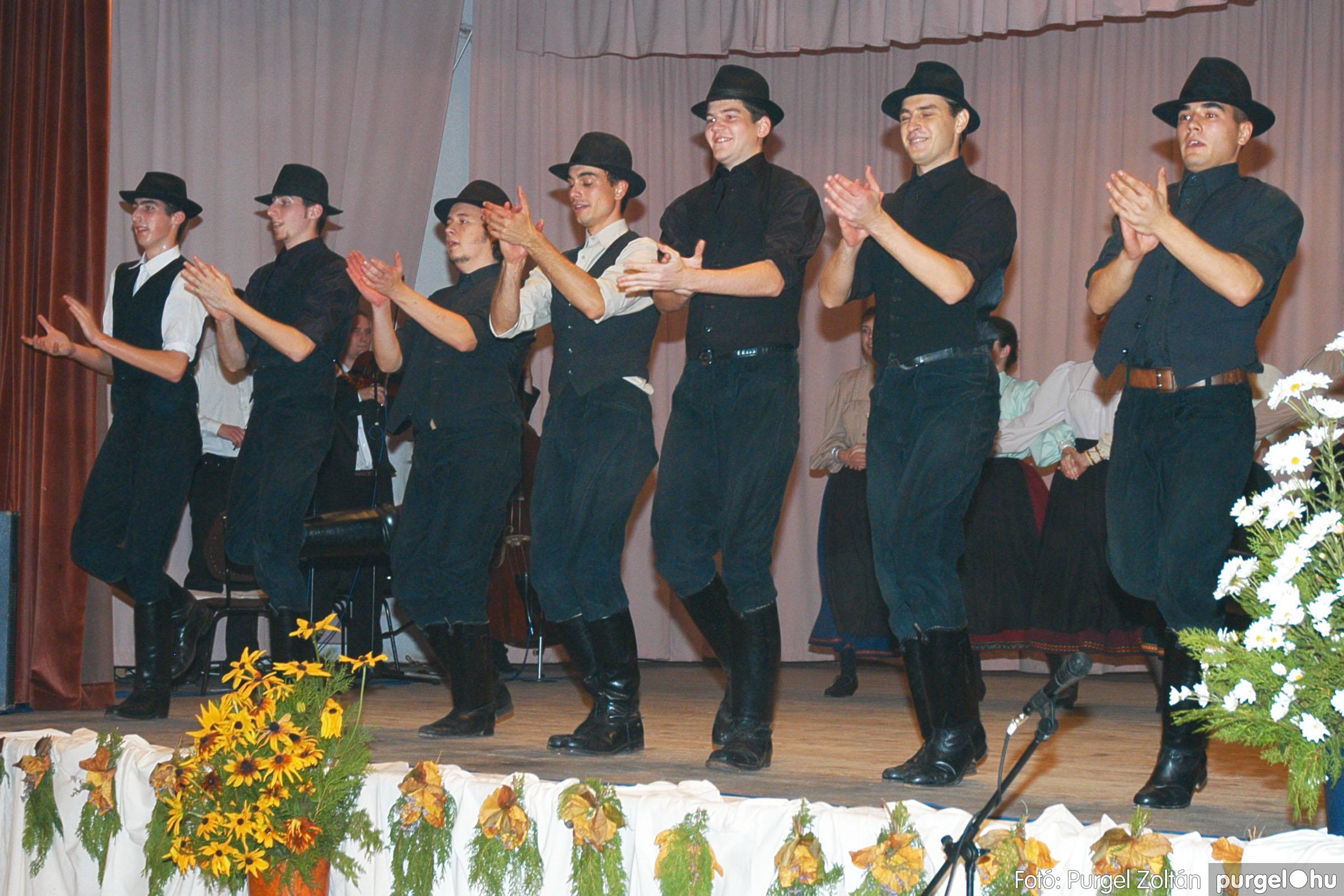 2004.11.06. 100 40 éves a szegvári Művelődési Ház - Fotó:PURGEL ZOLTÁN© DSC_01131q.jpg