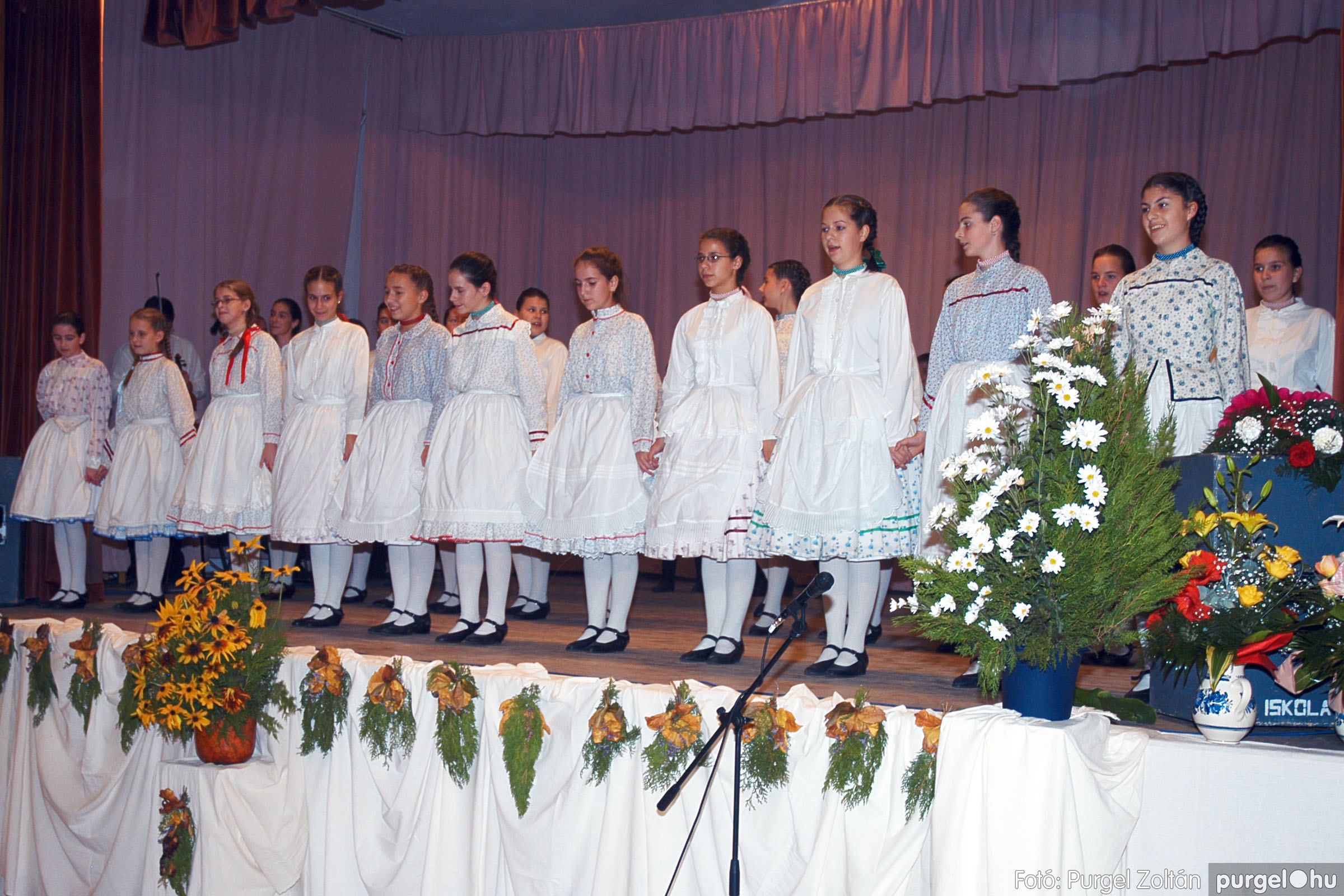 2004.11.06. 092 40 éves a szegvári Művelődési Ház - Fotó:PURGEL ZOLTÁN© DSC_0104q.jpg