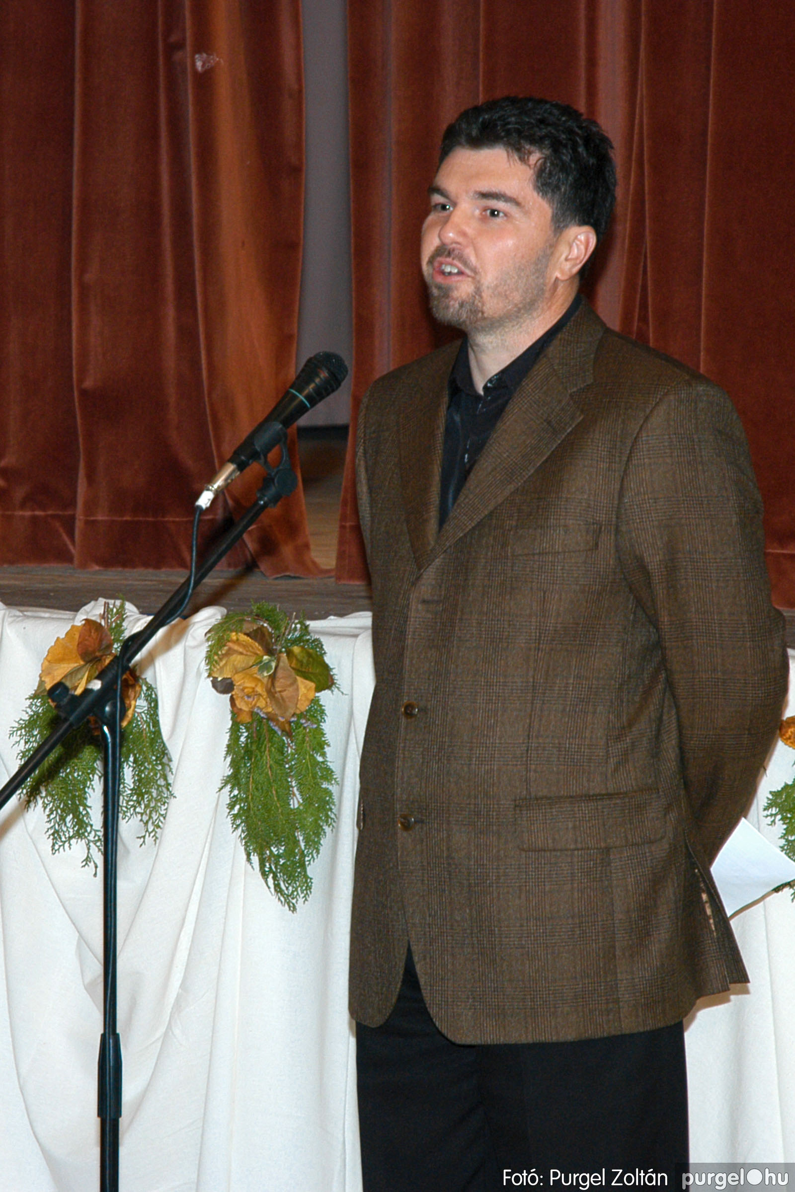 2004.11.06. 018 40 éves a szegvári Művelődési Ház - Fotó:PURGEL ZOLTÁN© DSC_0021q.jpg