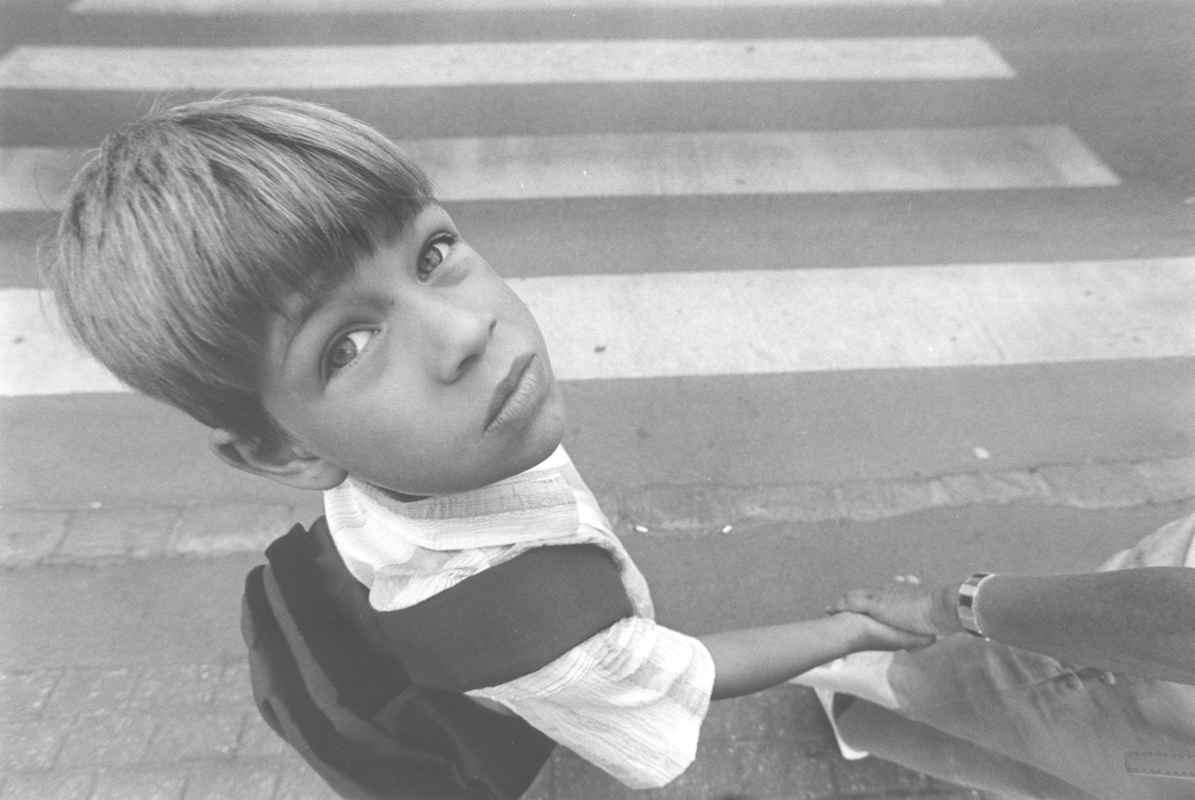 2004.09.18. Hétköznapok fotópályázat - Merjás Georgij - Rácsodálkozás.jpg