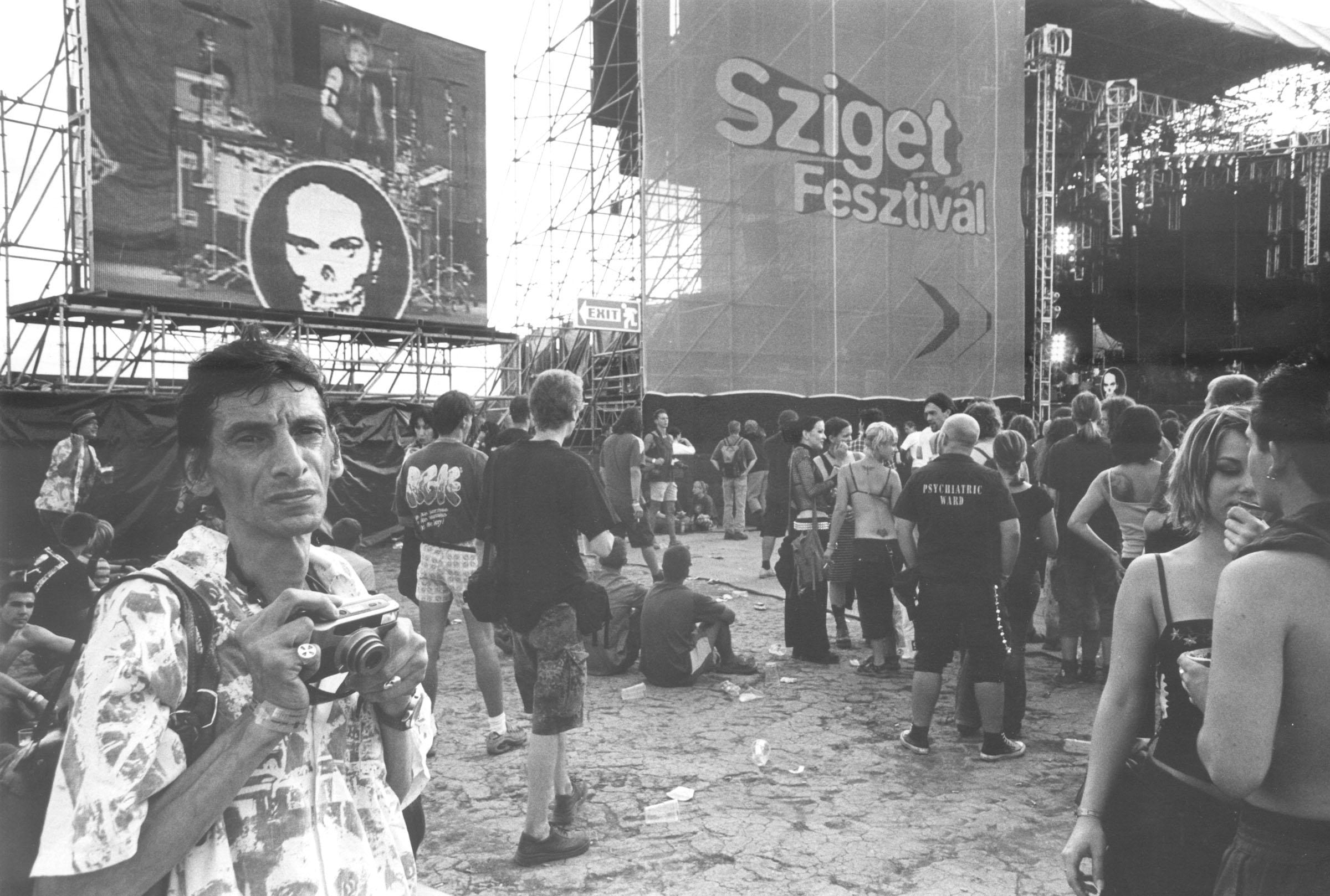 2004.09.18. Hétköznapok fotópályázat - Merjás Georgij - Menekülés a hétköznapok elöl.jpg
