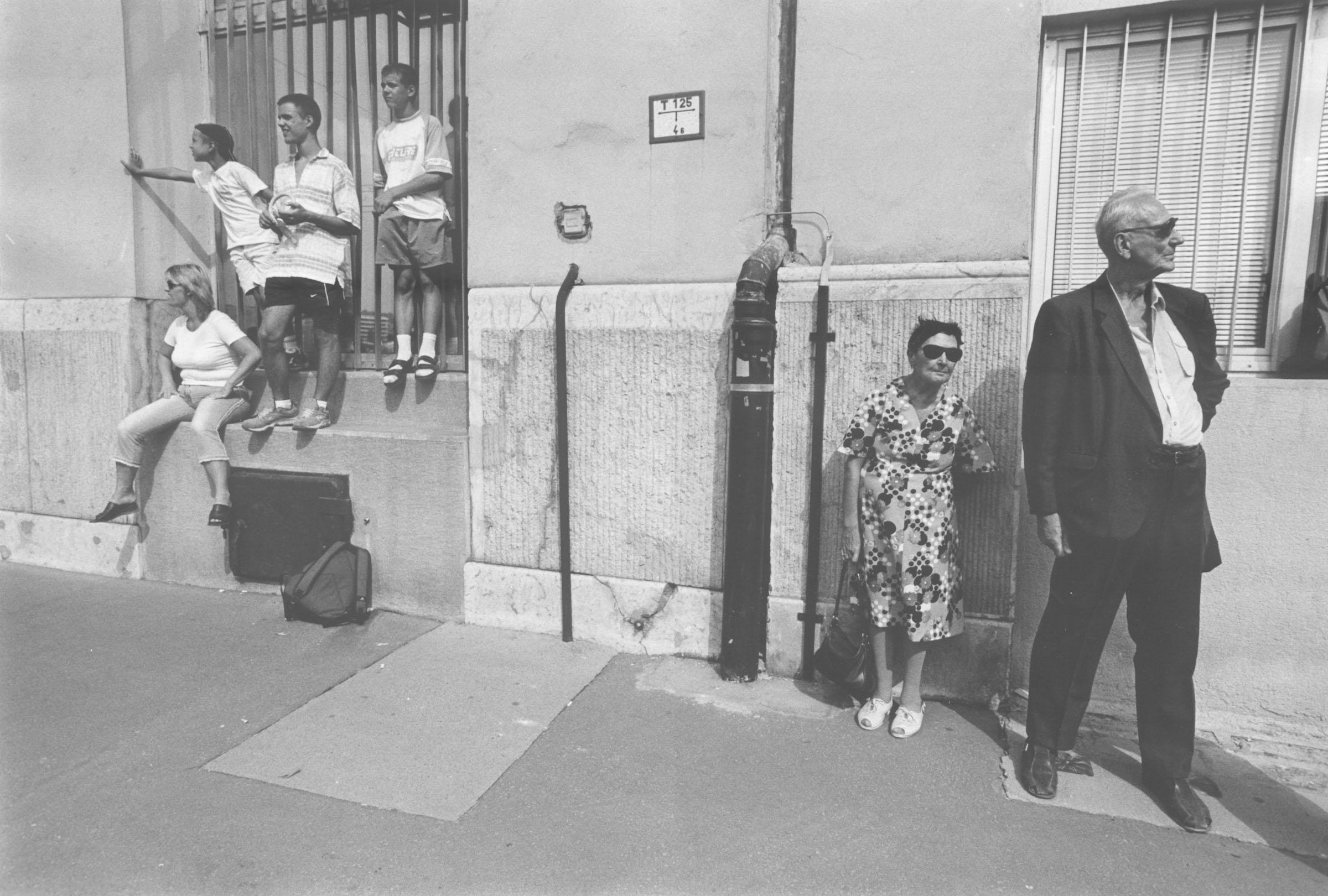 2004.09.18. Hétköznapok fotópályázat - Merjás Georgij - Hétköznapi kontrasztok.jpg