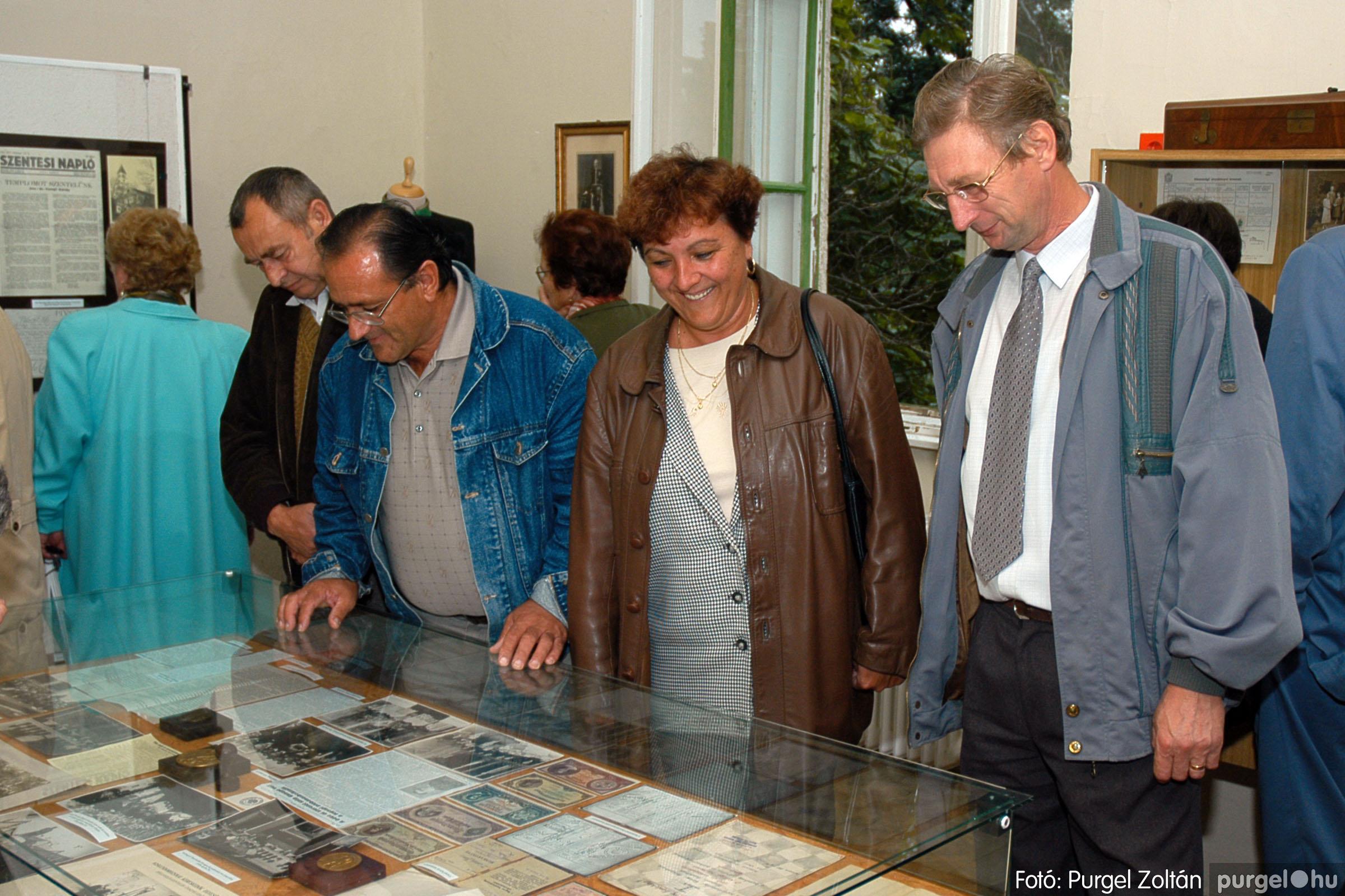 2004.09.25. 019 Dr. Csergő Károly alispán és kora című kiállítás és emléktábla avatás - Fotó:P. Z.©.jpg