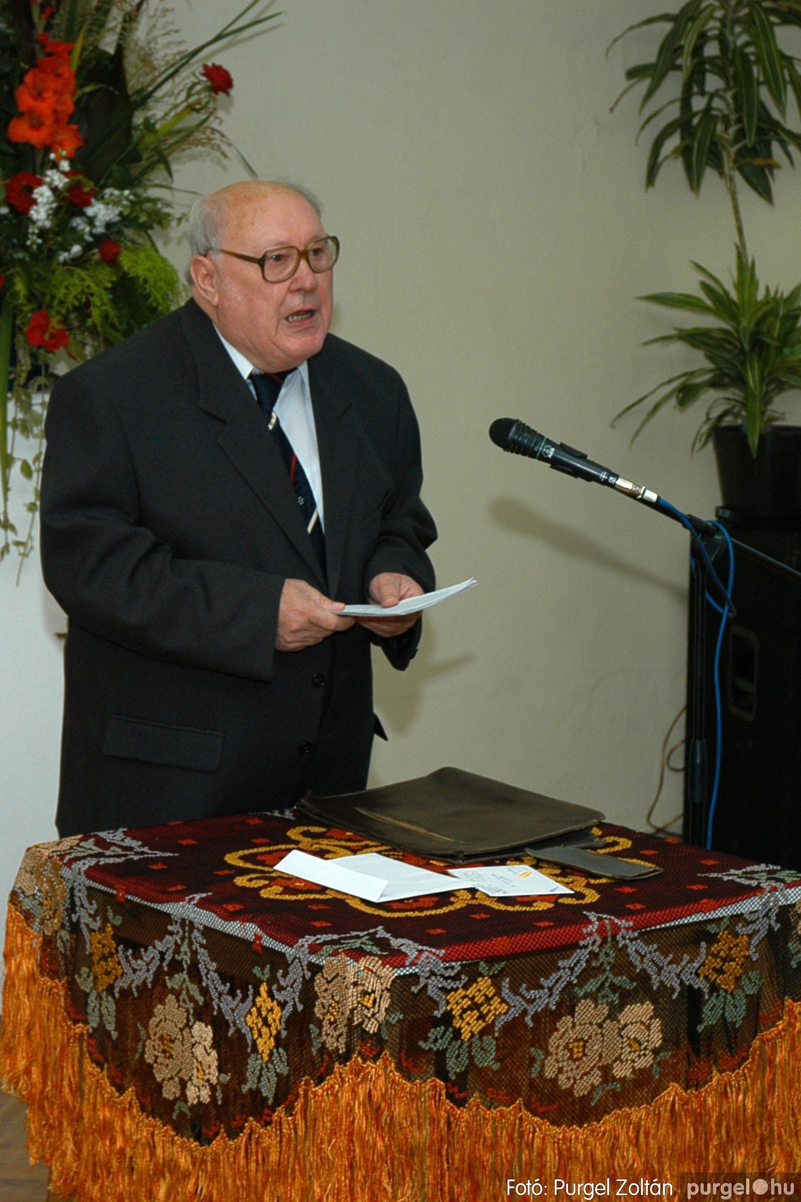 2004.09.25. 013 Dr. Csergő Károly alispán és kora című kiállítás és emléktábla avatás - Fotó:P. Z.©.jpg