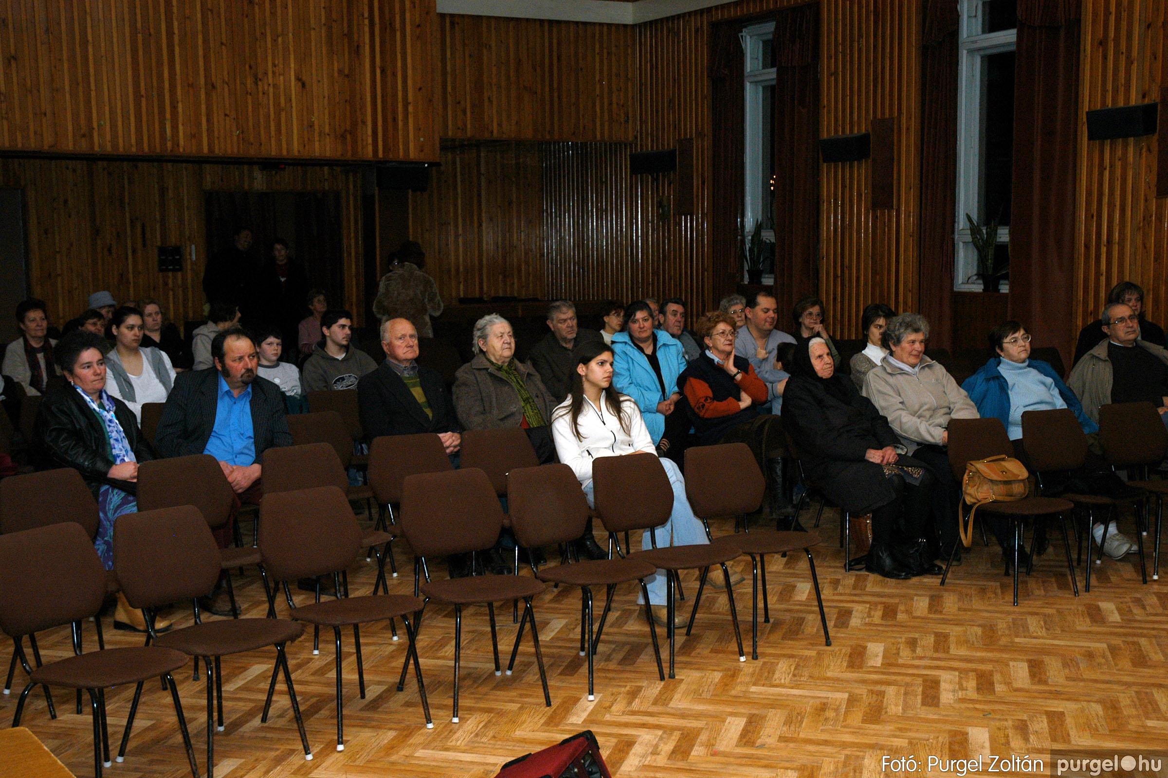 2005.01.22. 005 Tóth József fafaragó kiállítása - Fotó:PURGEL ZOLTÁN© DSC_0005q.jpg