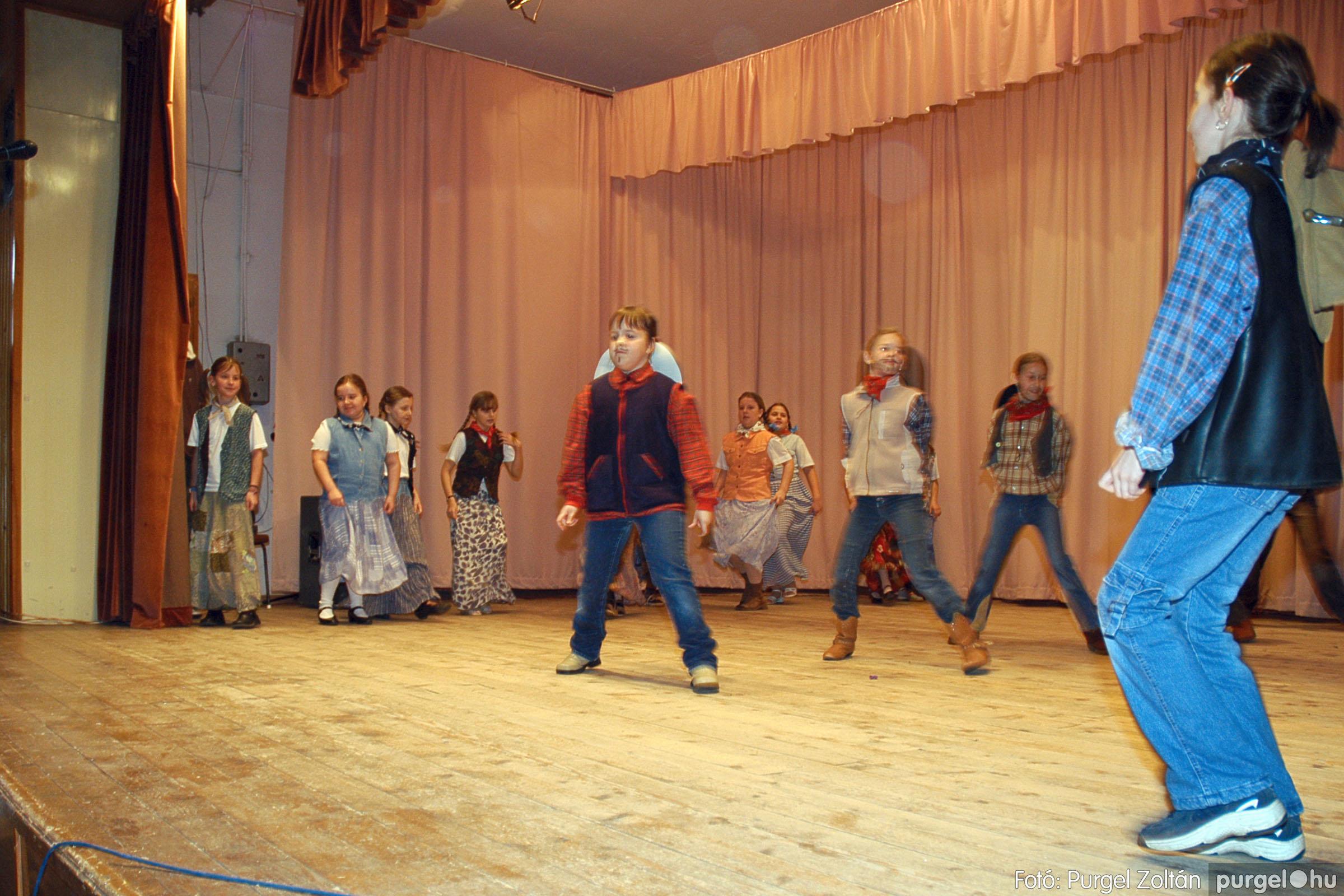 2005.02.11-12. 067 Forray Máté Általános Iskola farsang 2005.  - Fotó:PURGEL ZOLTÁN© DSC_0071q.jpg