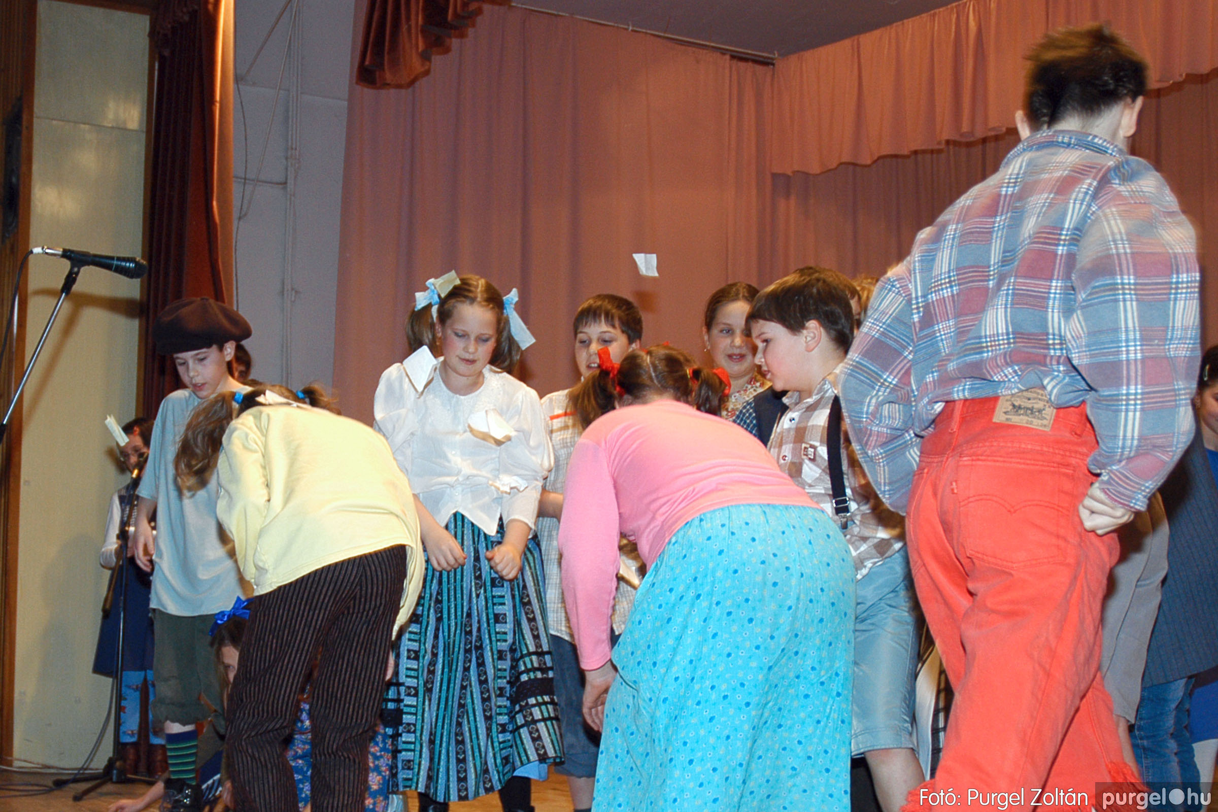 2005.02.11-12. 045 Forray Máté Általános Iskola farsang 2005.  - Fotó:PURGEL ZOLTÁN© DSC_0047q.jpg