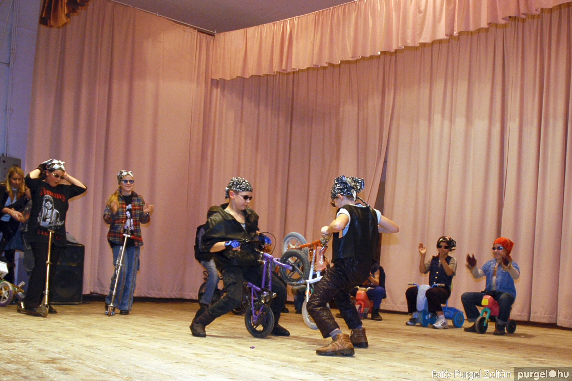 2005.02.11-12. 078 Forray Máté Általános Iskola farsang 2005.  - Fotó:PURGEL ZOLTÁN© DSC_0086q.jpg
