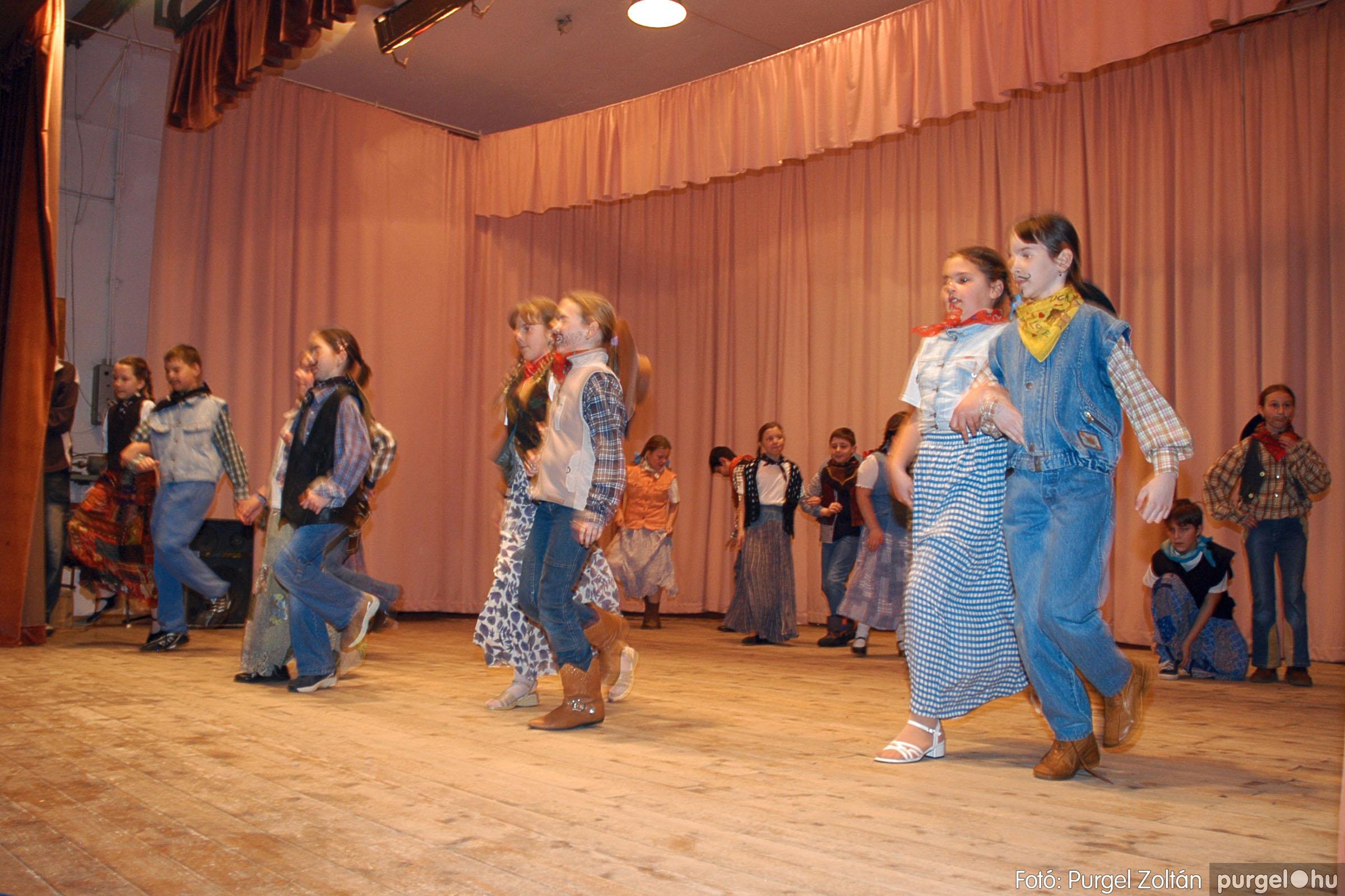 2005.02.11-12. 070 Forray Máté Általános Iskola farsang 2005.  - Fotó:PURGEL ZOLTÁN© DSC_0074q.jpg