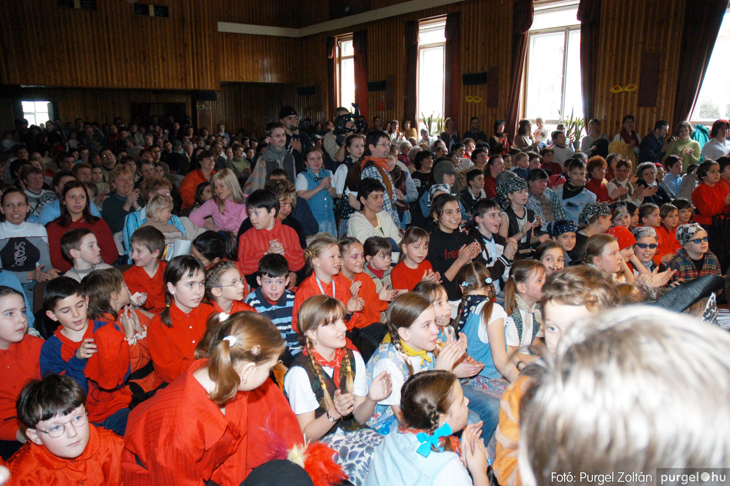 2005.02.11-12. 064 Forray Máté Általános Iskola farsang 2005.  - Fotó:PURGEL ZOLTÁN© DSC_0067q.jpg