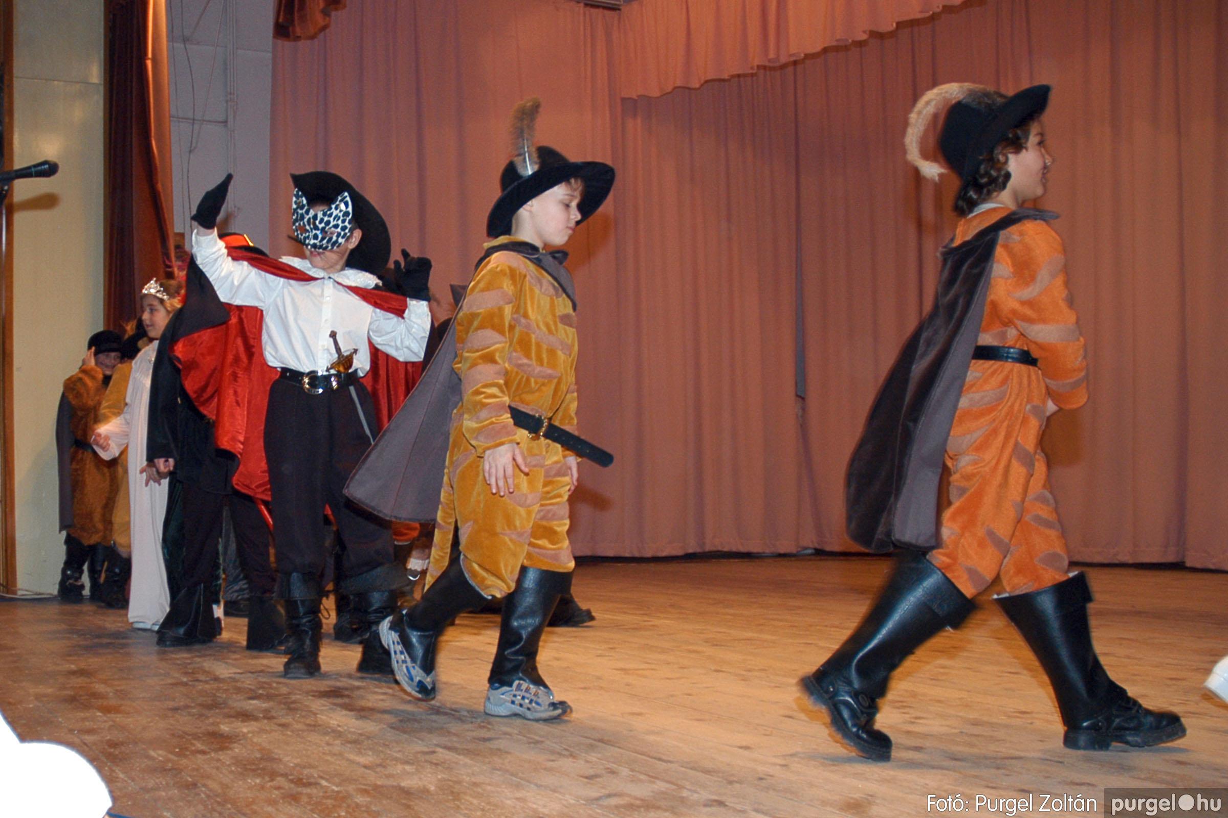 2005.02.11-12. 053 Forray Máté Általános Iskola farsang 2005.  - Fotó:PURGEL ZOLTÁN© DSC_0056q.jpg