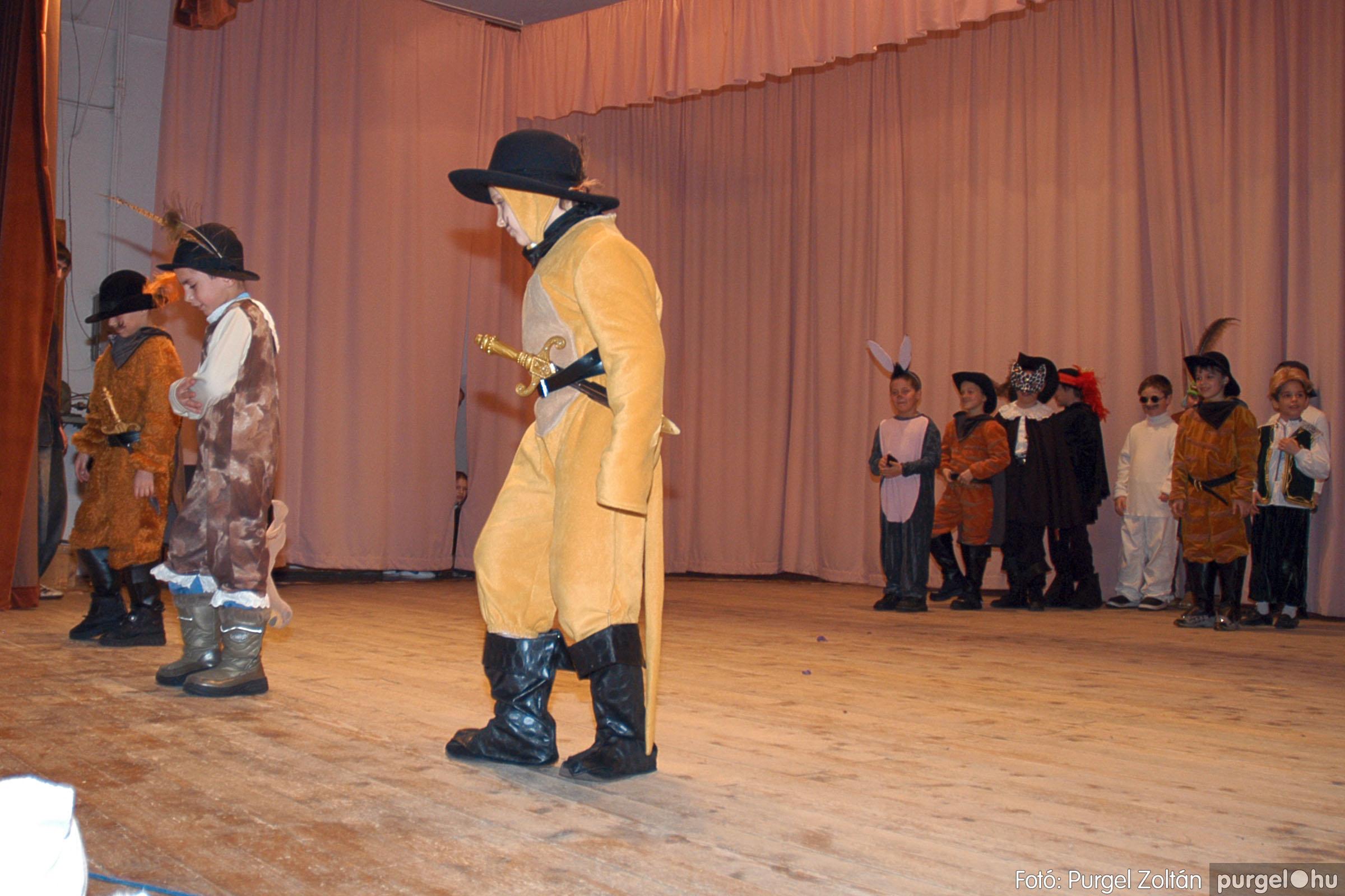 2005.02.11-12. 046 Forray Máté Általános Iskola farsang 2005.  - Fotó:PURGEL ZOLTÁN© DSC_0048q.jpg
