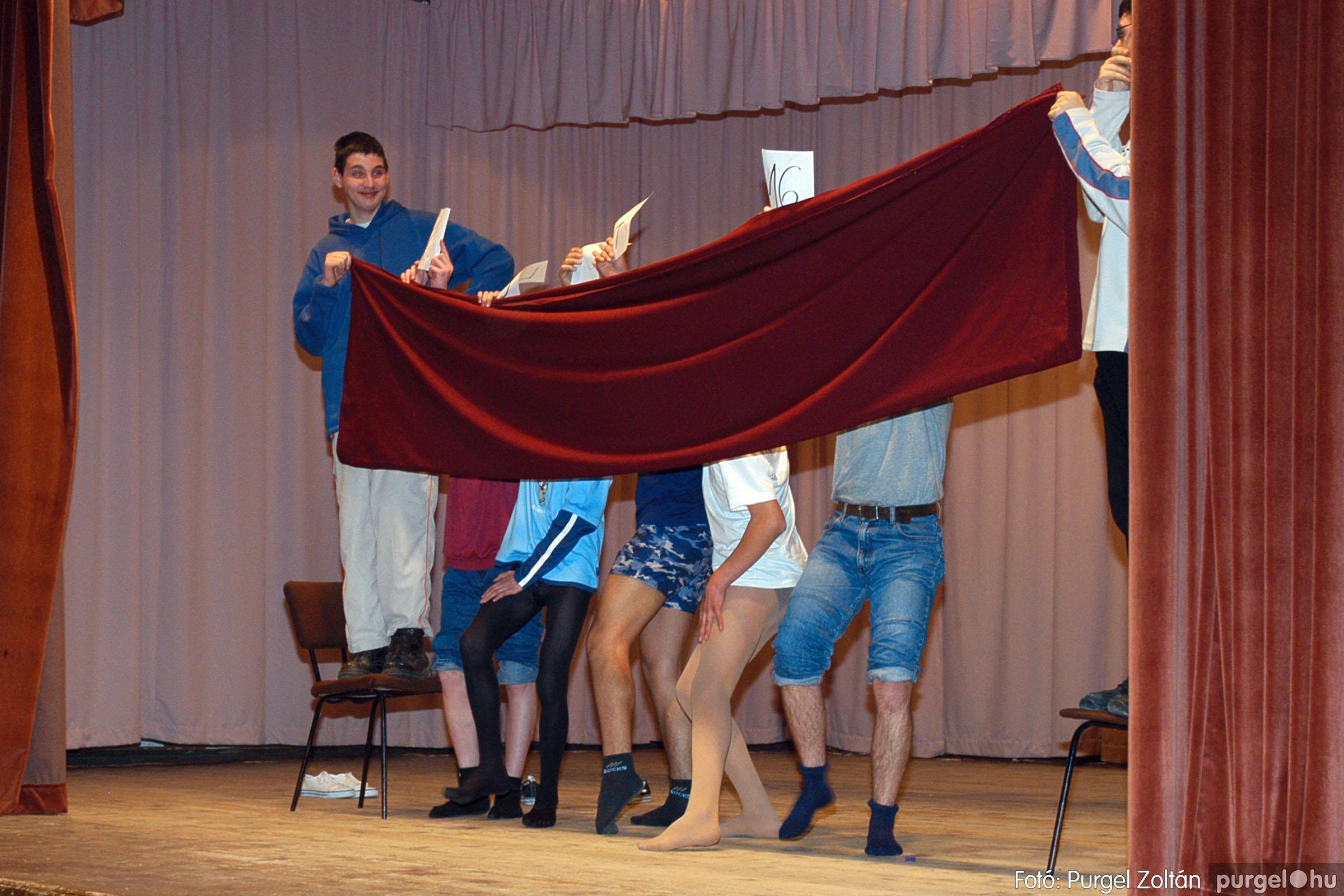 2005.02.11-12. 033 Forray Máté Általános Iskola farsang 2005.  - Fotó:PURGEL ZOLTÁN© DSC_0034q.jpg