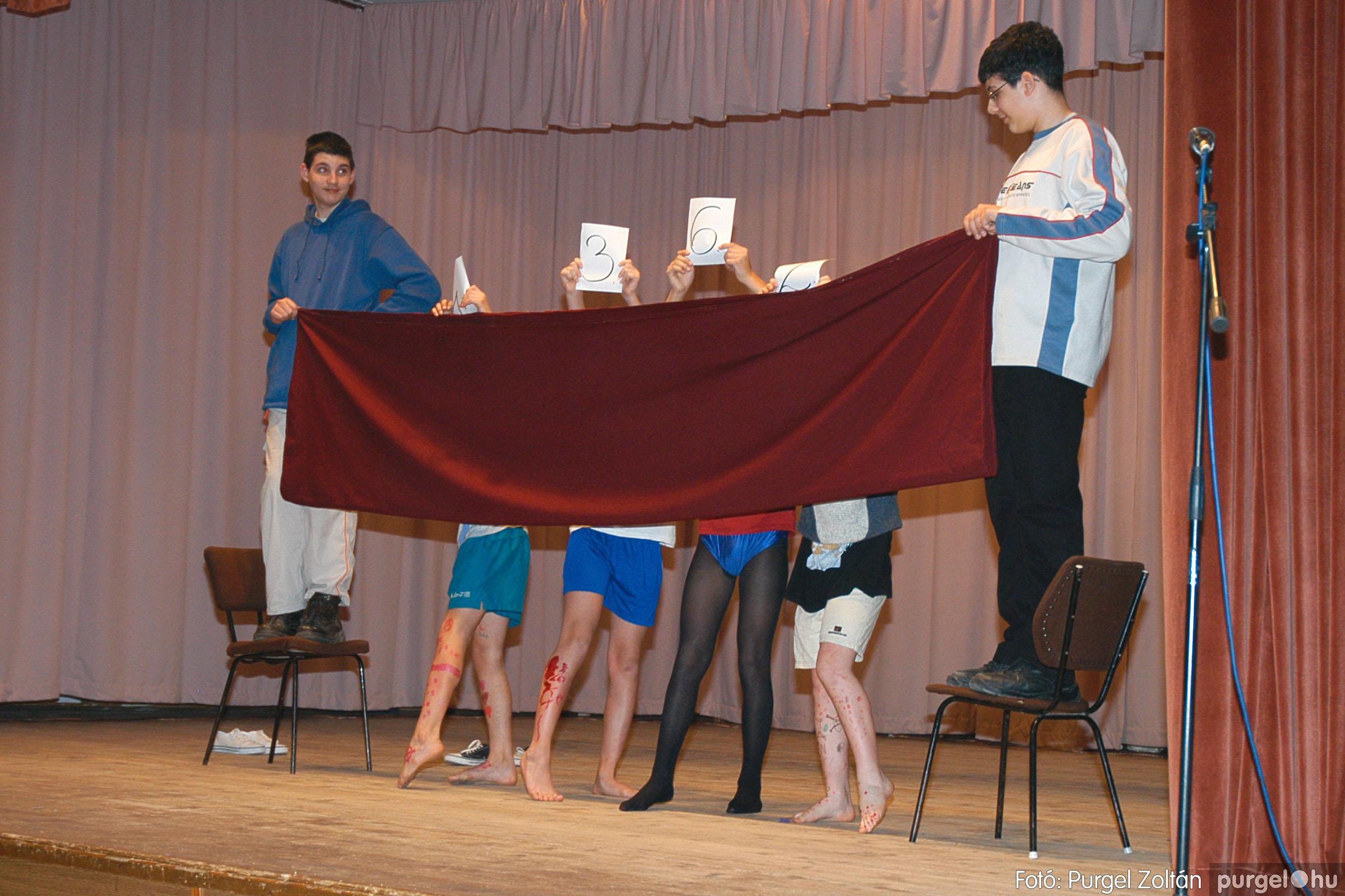 2005.02.11-12. 032 Forray Máté Általános Iskola farsang 2005.  - Fotó:PURGEL ZOLTÁN© DSC_0033q.jpg