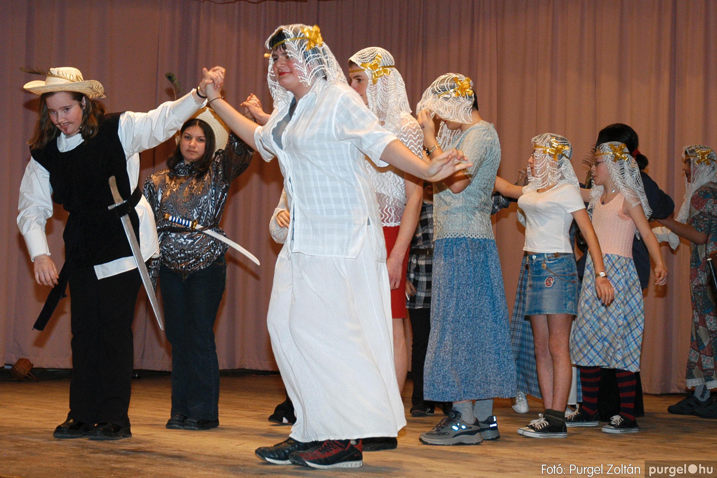 2005.02.11-12. 025 Forray Máté Általános Iskola farsang 2005.  - Fotó:PURGEL ZOLTÁN© DSC_0026q.jpg